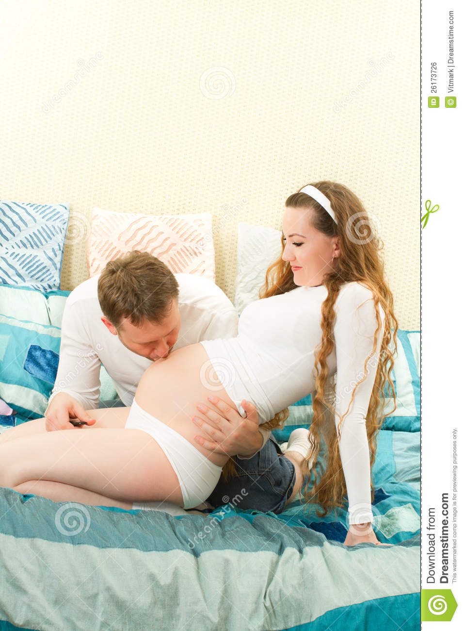 Happy pregnant woman-2523