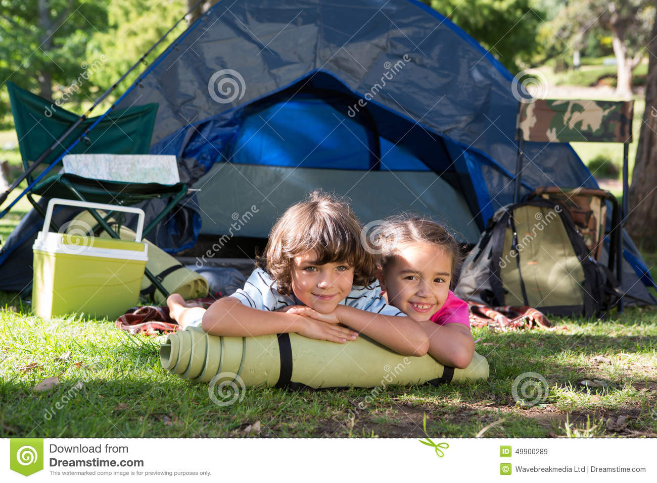 a camping trip A complete outdoor guide with information, tips, how-to's, activities, and checklists for planning a fun camping trip for the entire family.
