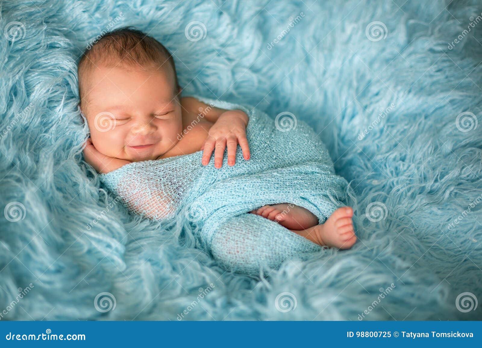 a1f450e4c4b Happy Smiling Newborn Baby In Wrap