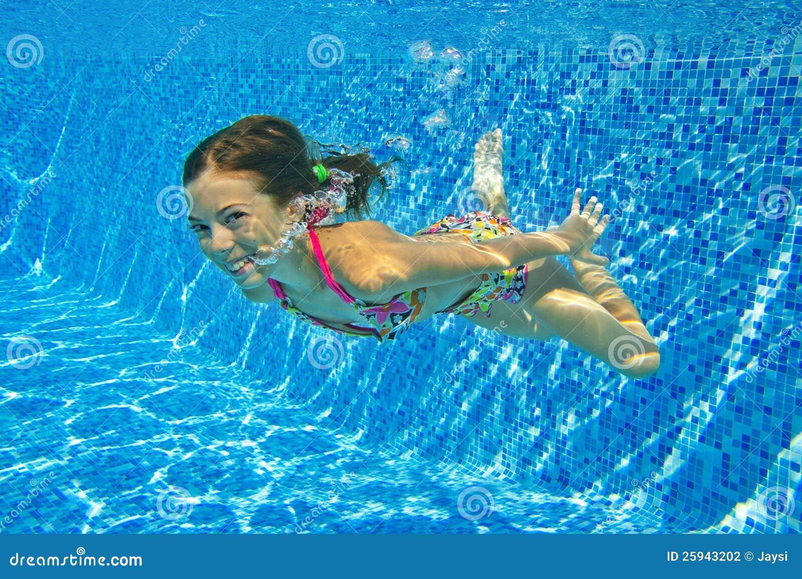 child swimming underwater -#main