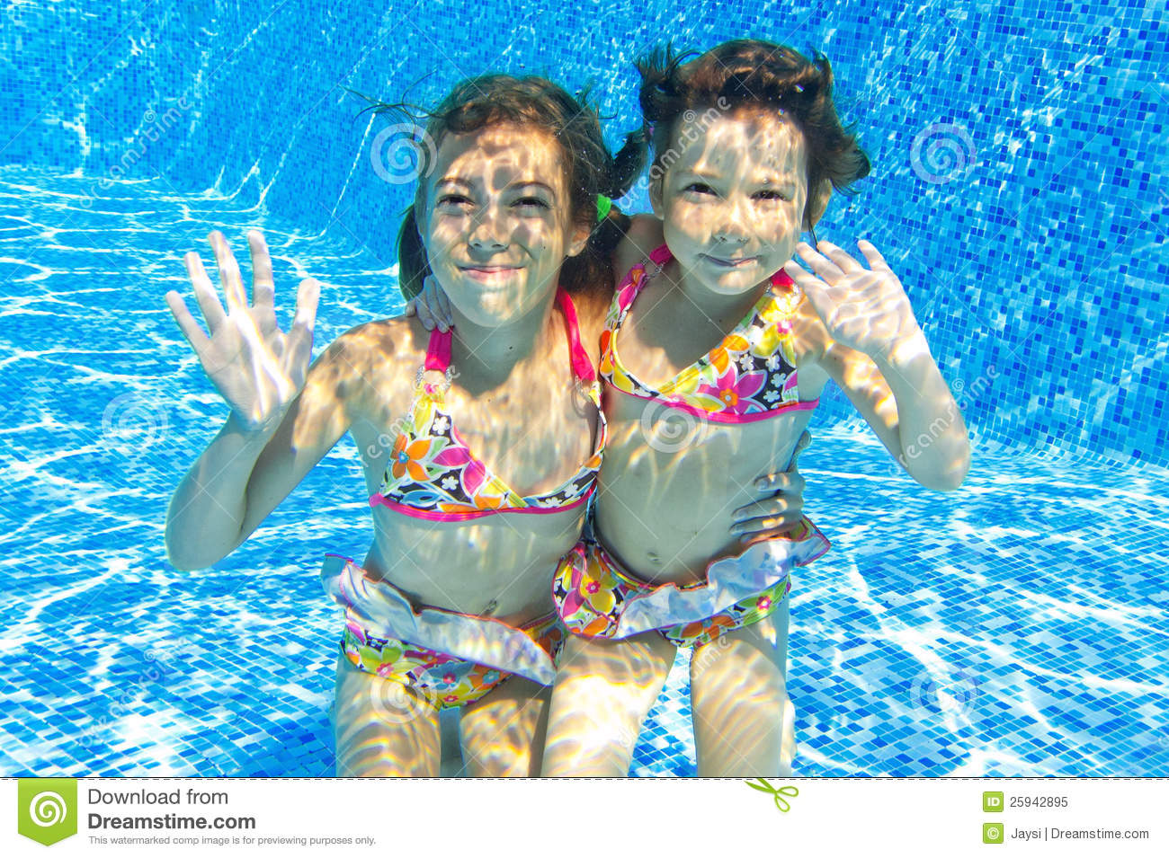 Happy Smiling Underwater Children In Swimming Pool Royalty Free Stock ...