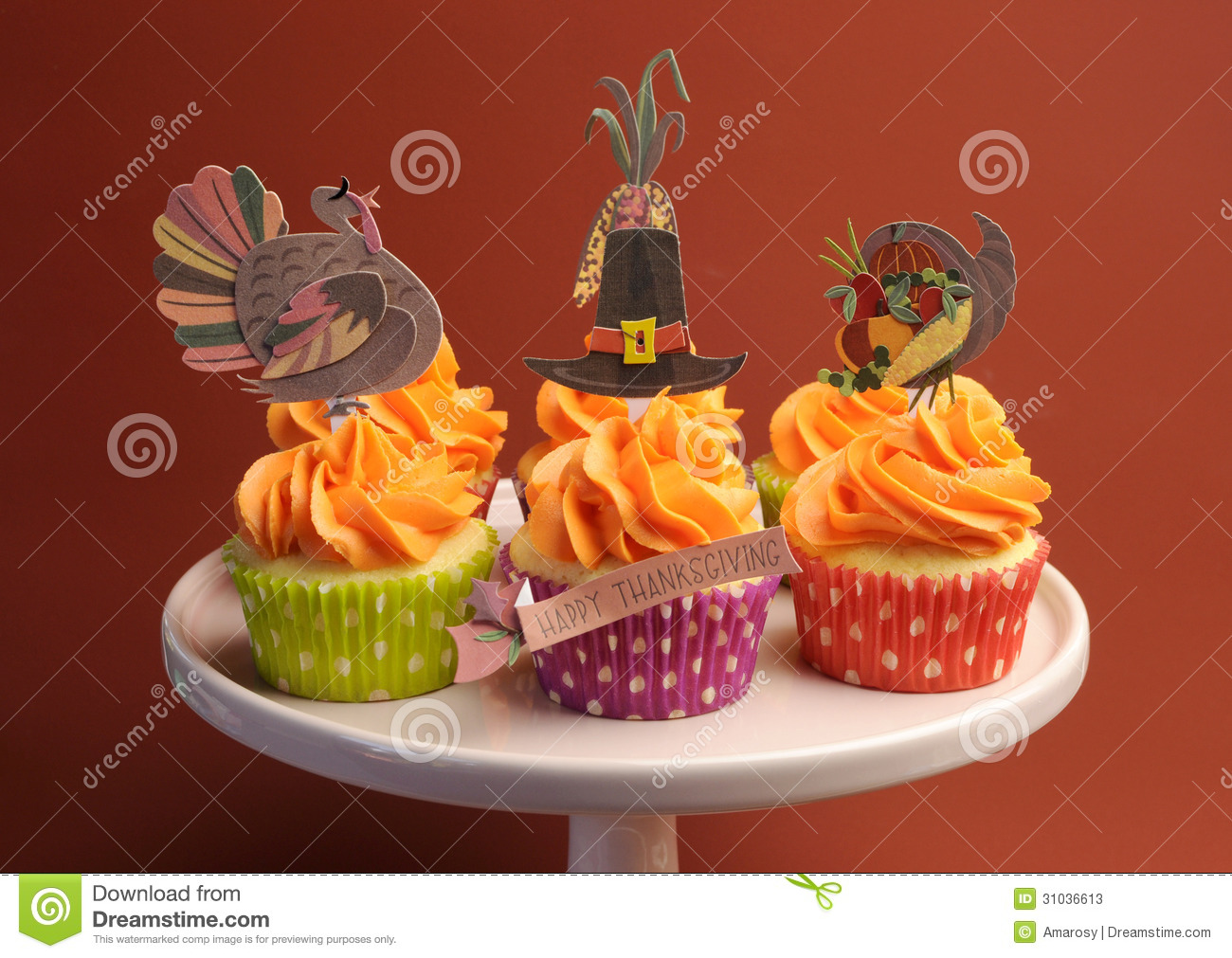Thanksgiving cupcake decorations - Happy Thanksgiving Decorated Cupcakes On Pink Stand Stock Photos