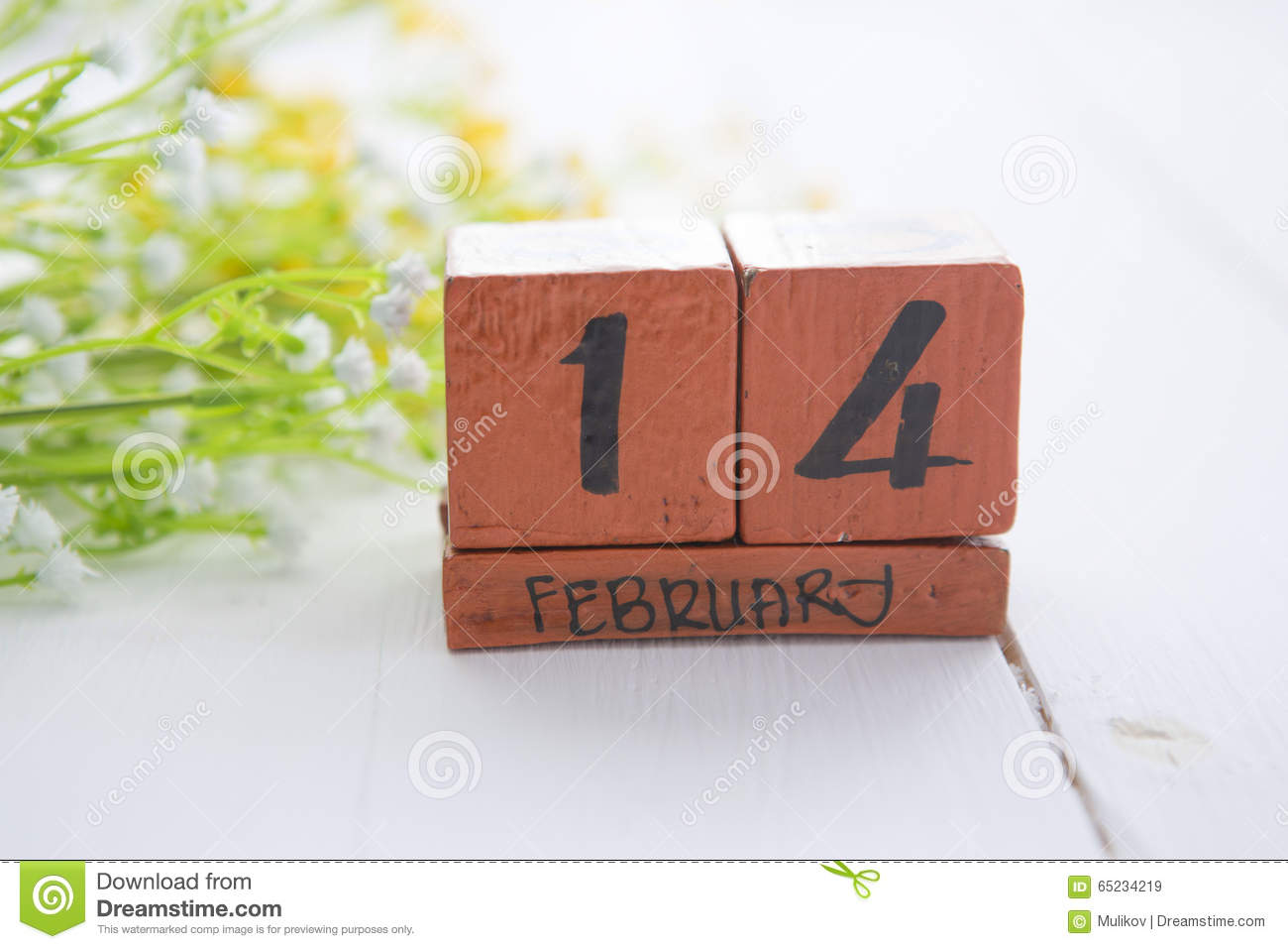 Happy Valentine Day wood calendar for February 14.