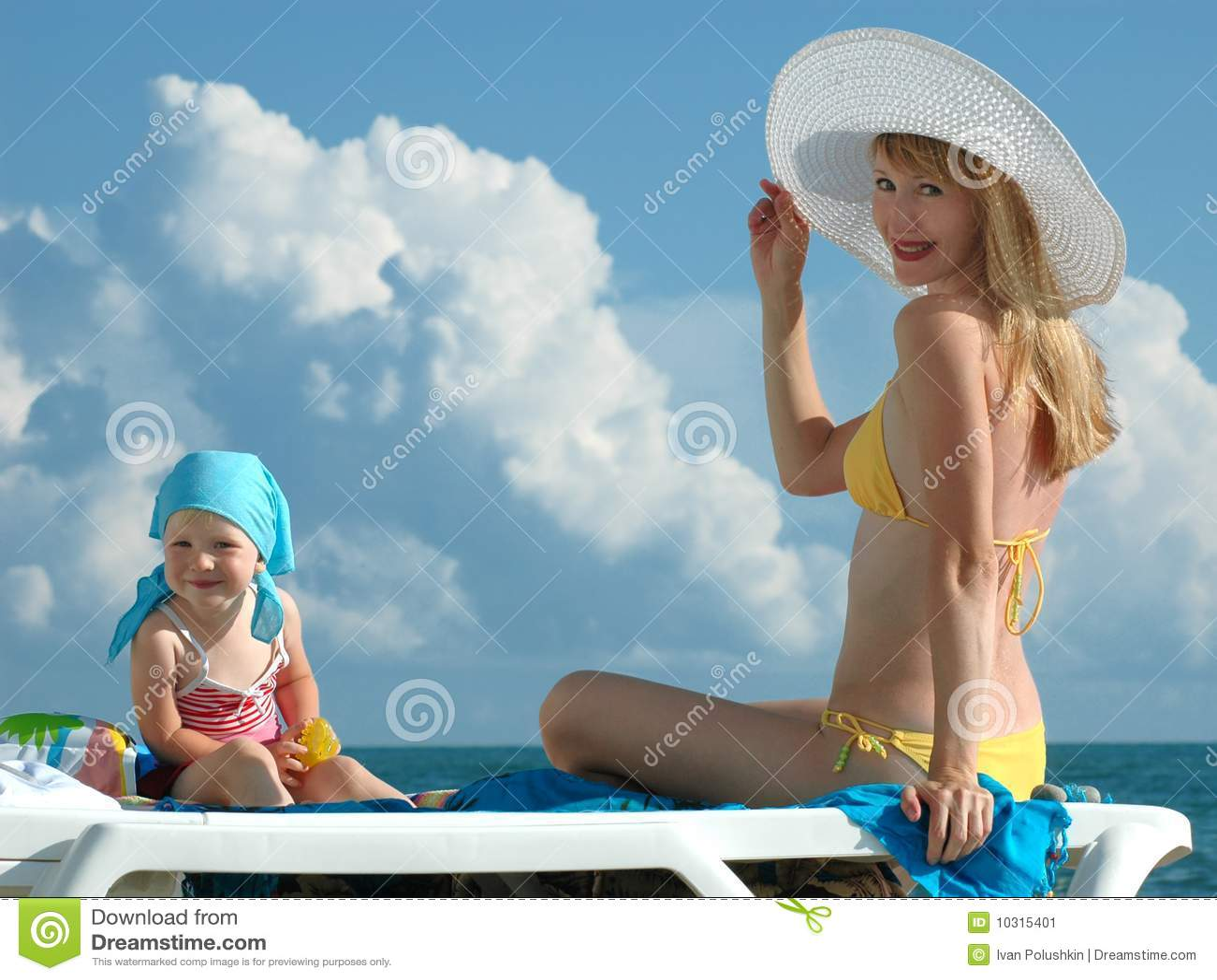Фото с пляжей мам и дочек 20 фотография