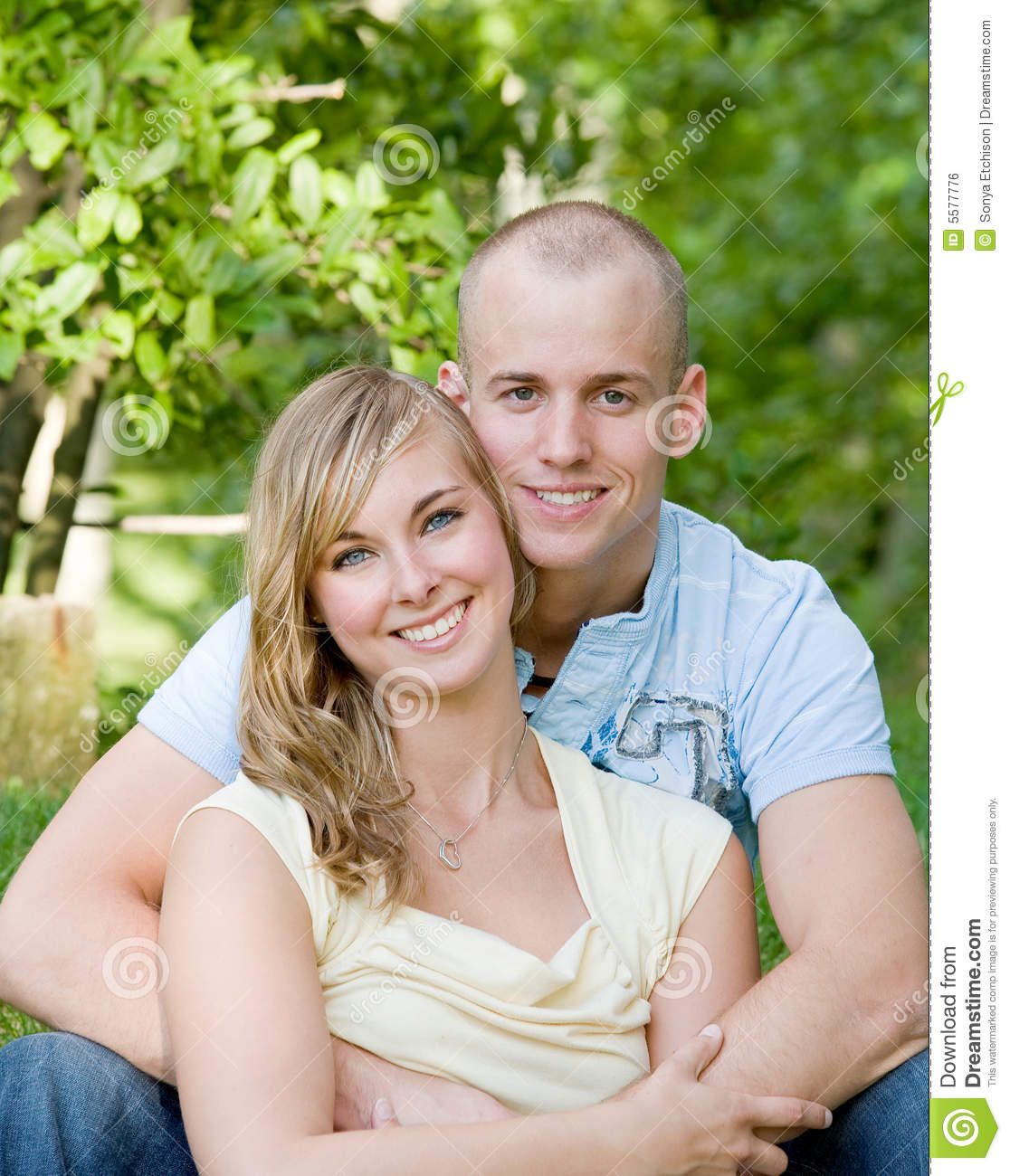 https://thumbs.dreamstime.com/z/happy-young-couple-5577776.jpg