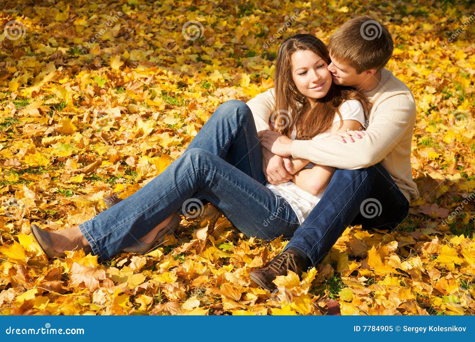 Фото девушек с молодым человеком 8 фотография