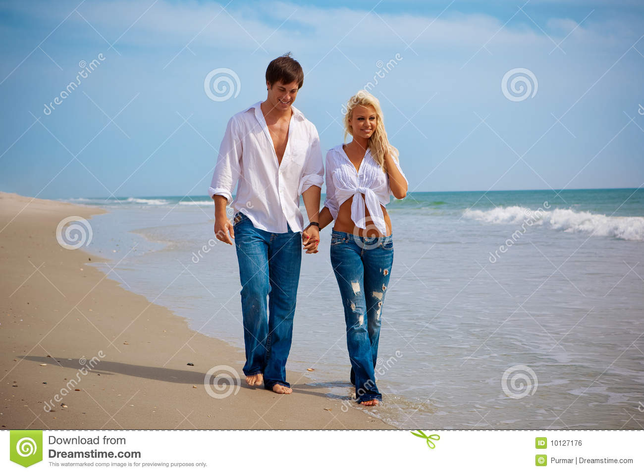 https://thumbs.dreamstime.com/z/happy-young-couple-beach-10127176.jpg