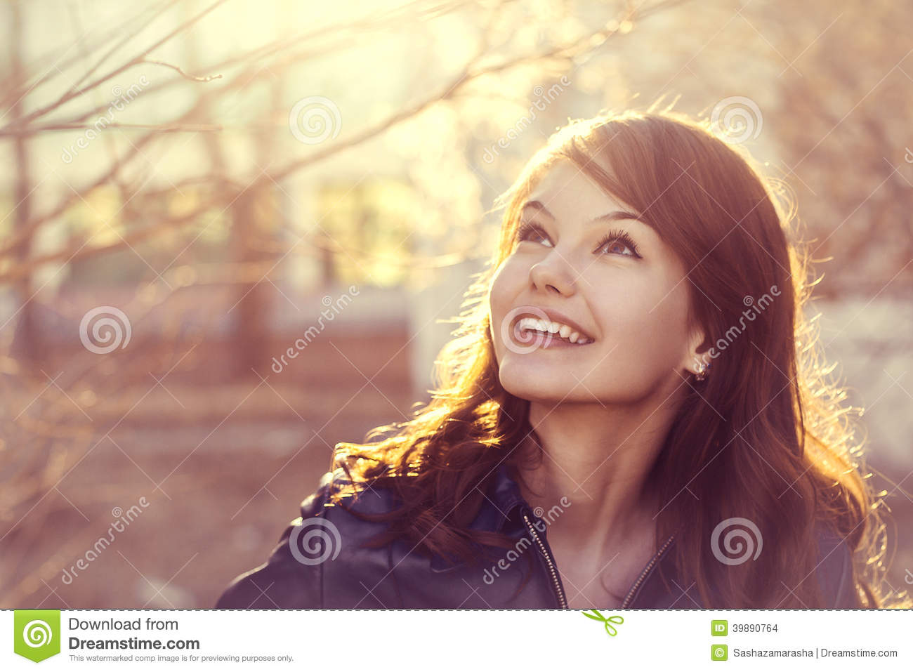 happy-young-smile-woman-sunlight-city-portrait-bright-outdoor-soft-vintage-photoshoot-39890764.jpg
