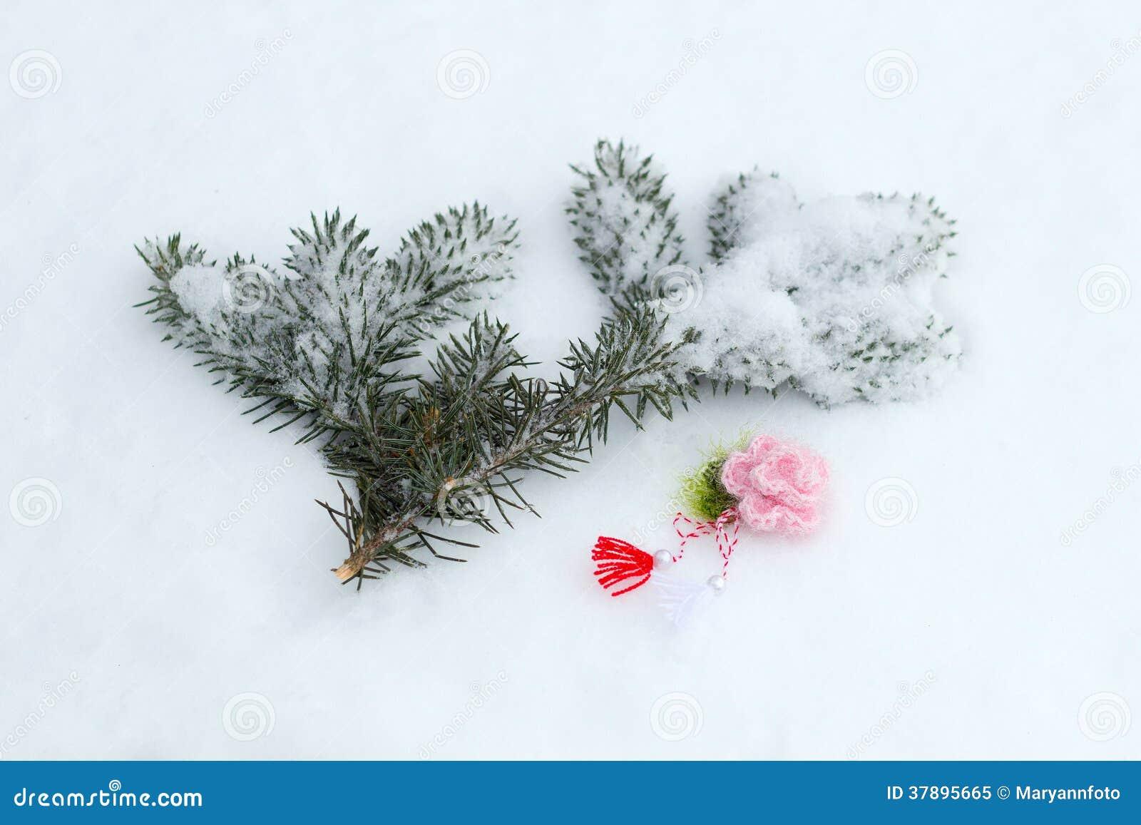 ?haracter van de lente - gebreide bloem