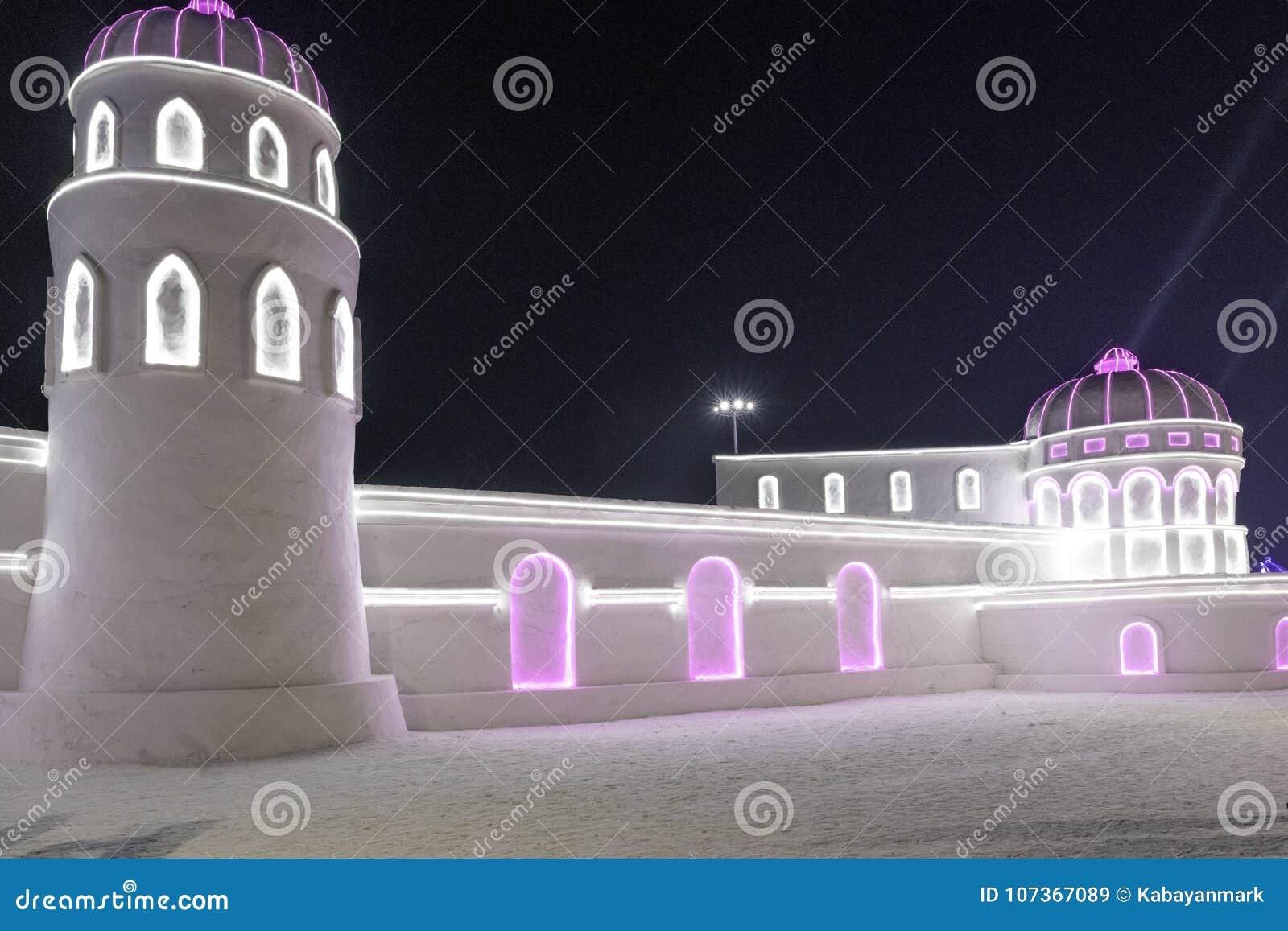 """Harbin isfestival 2018 - byggnader för is och för snö för 'för ªèŠ för› för °é för † för å för é™ för ½ för› för ¨å för 唈尔 æ"""""""