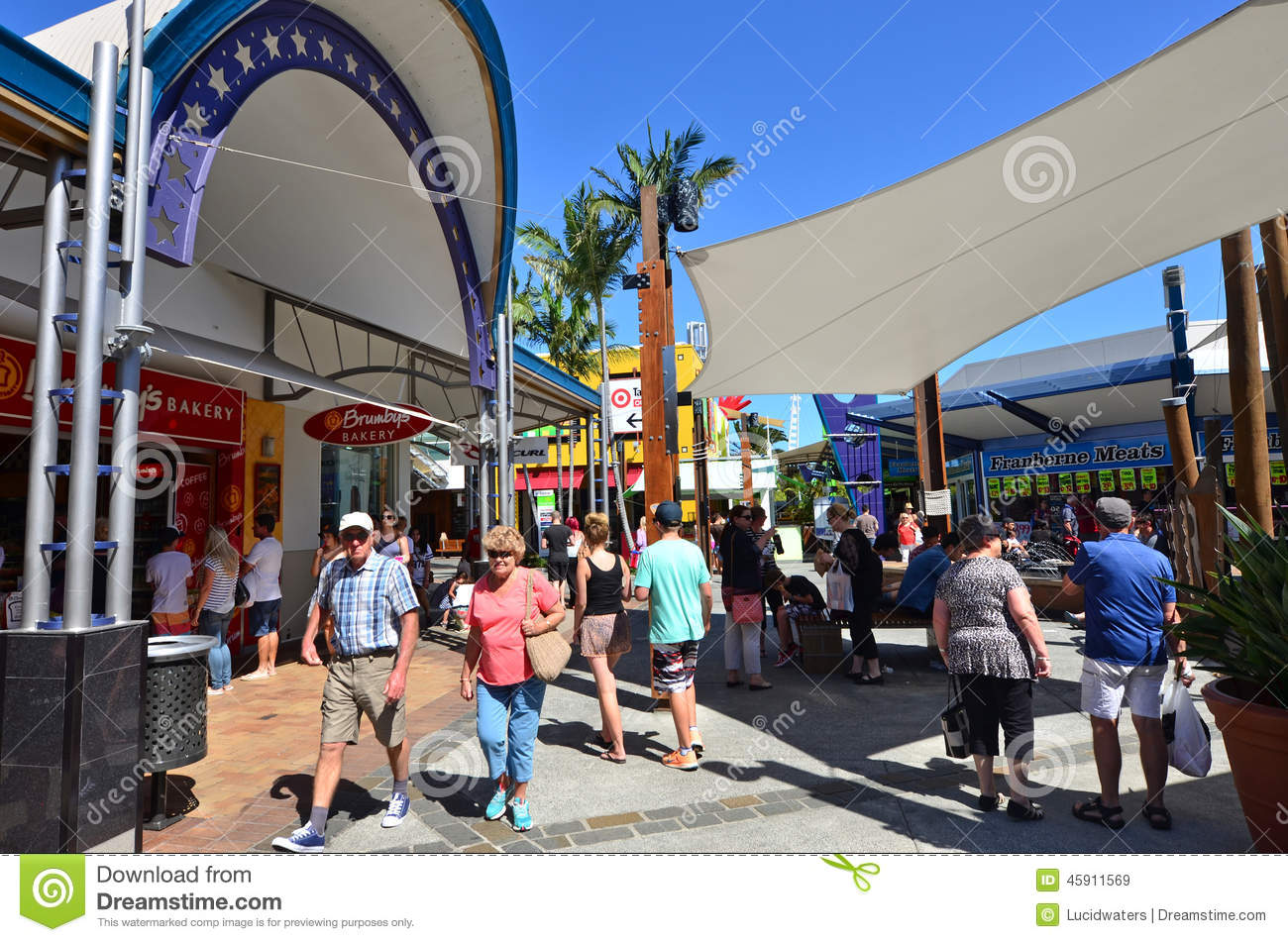 GOLD COAST, AUS - OCT 19 2014:Shoppers at Harbour Town shopping center ...