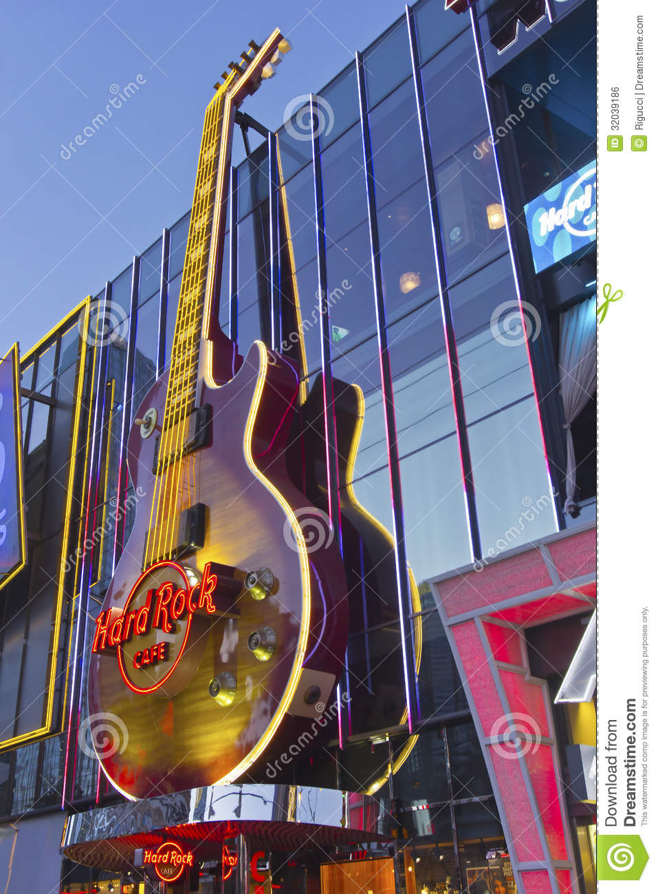 Is The Hard Rock Cafe On The Strip