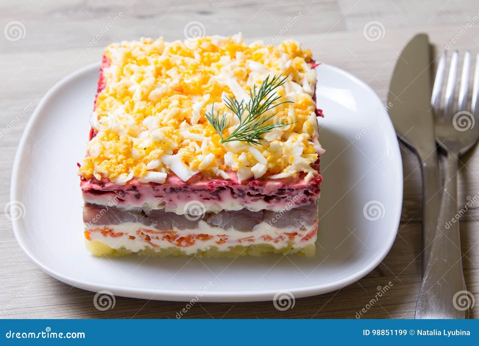 Sous Multicouche Russe Harengs Manteau De Fourrure Salade Un WEH9IebD2Y