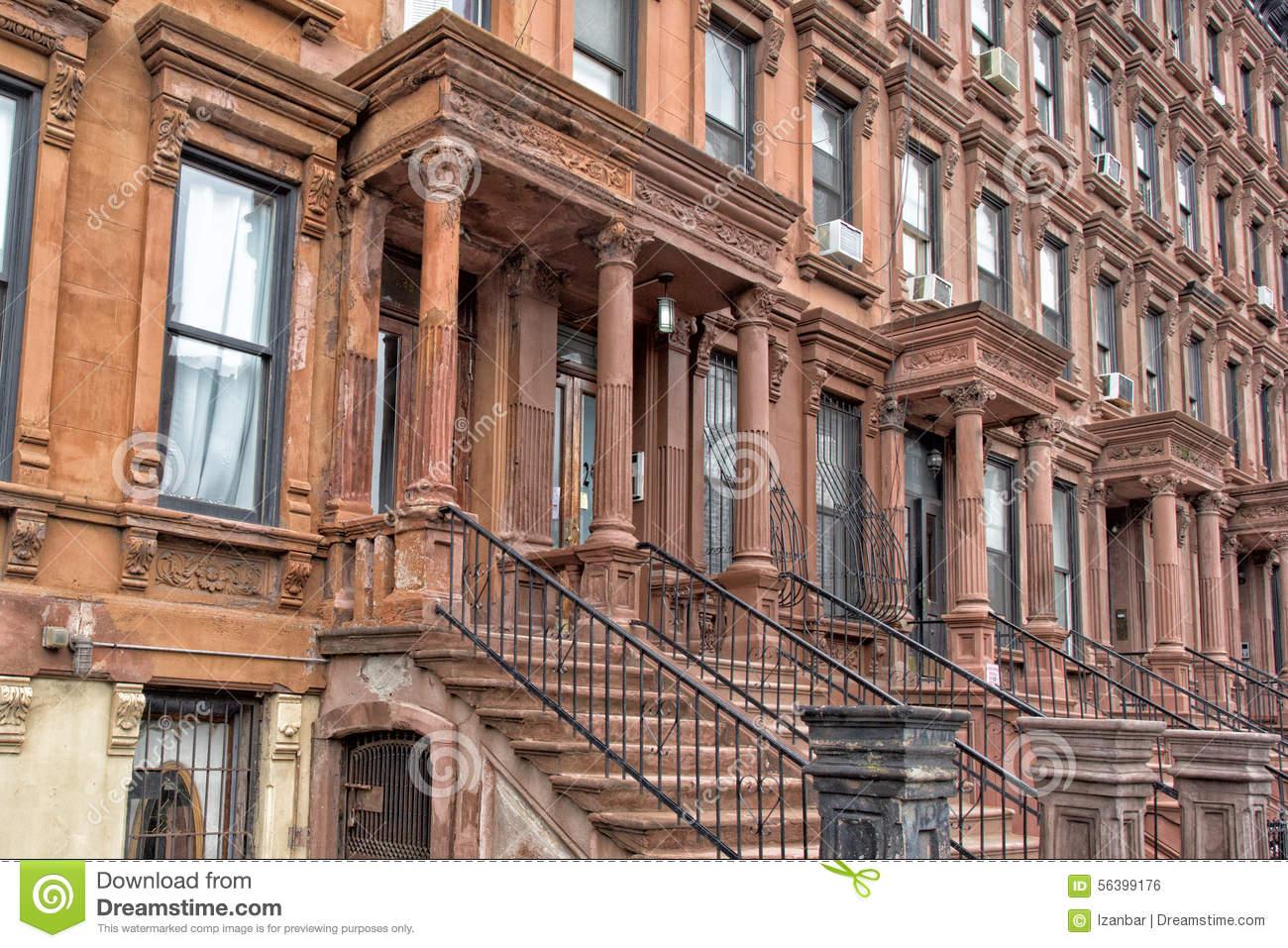 Harlem houses in new york city stock photo image 56399176 for Casas en nueva york