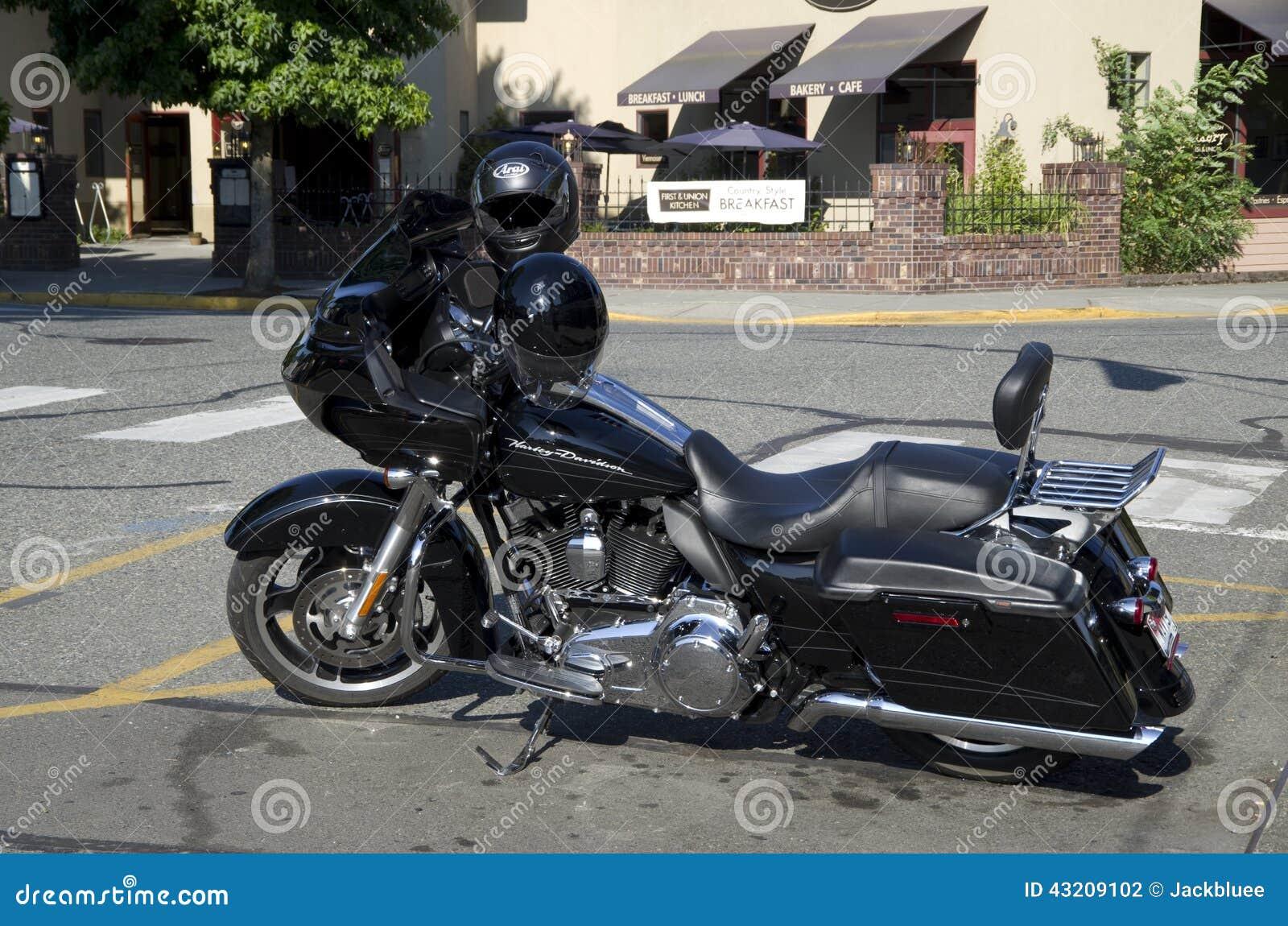 Download Harley Davidson motorbike redaktionell arkivbild. Bild av parkerat - 43209102