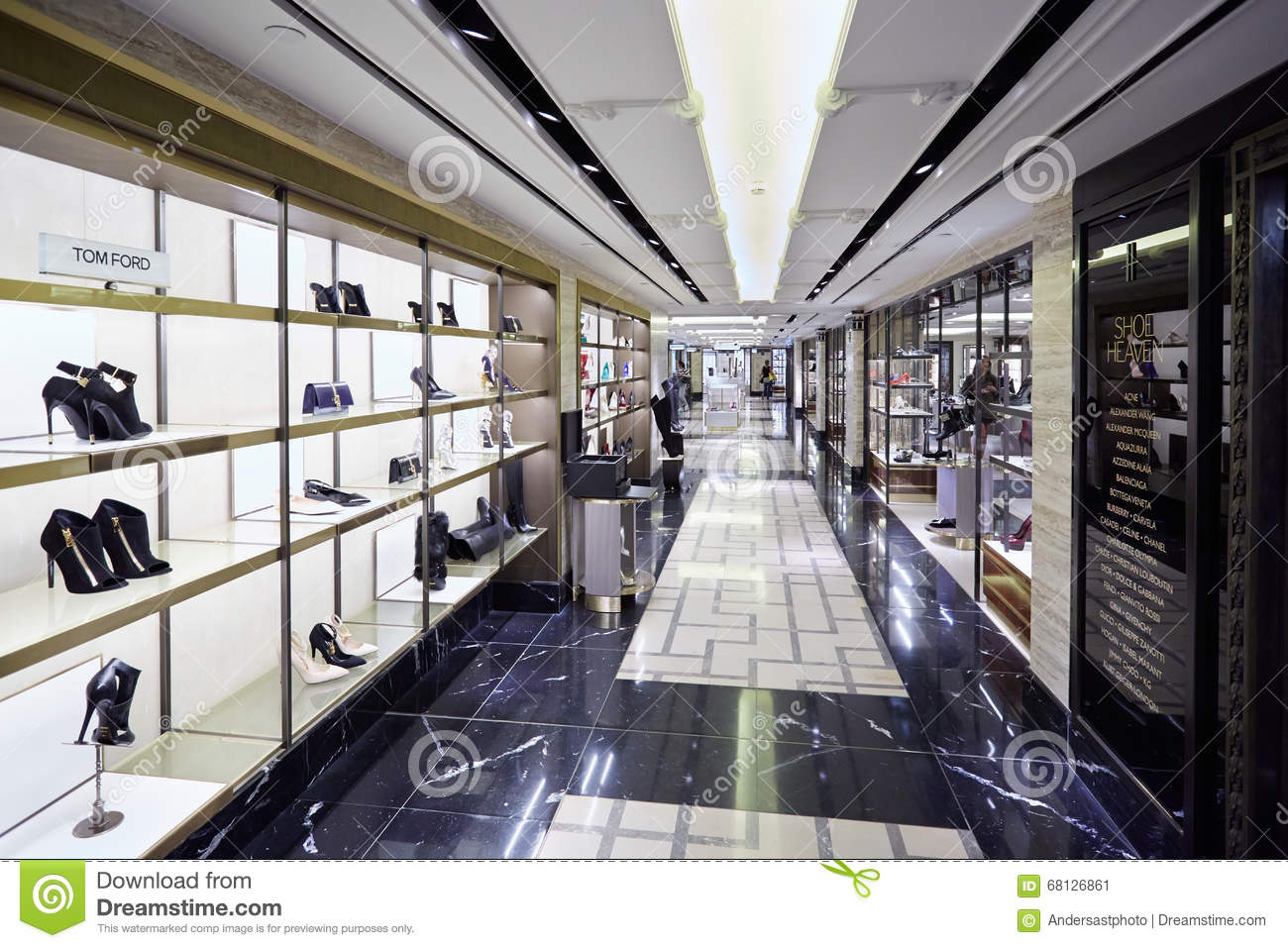Harrods department store interior shoe heaven in london for Dep decoration interieur