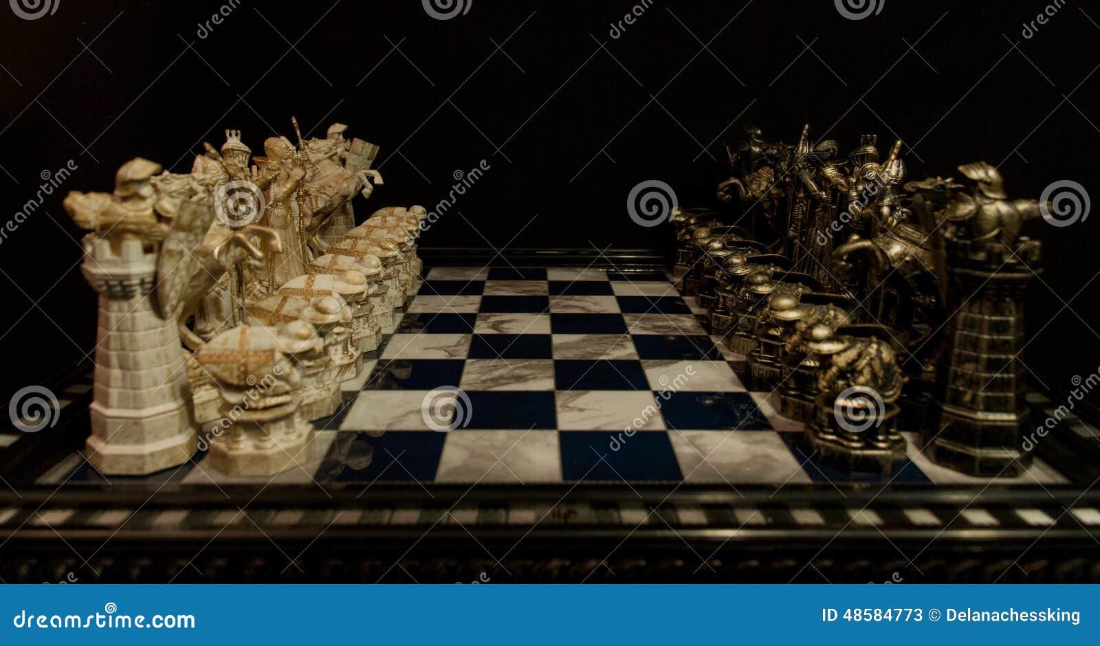 076ea7671 Toda a figura da xadrez da xadrez de Harry Potter no tabuleiro de xadrez