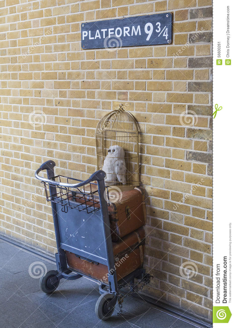 The Harry Potter Platform At Kings Cross Train Station In ...
