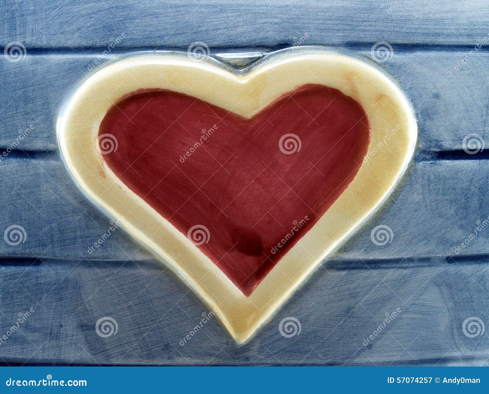 Hart op hout van verglaasde tegel wordt gemaakt die