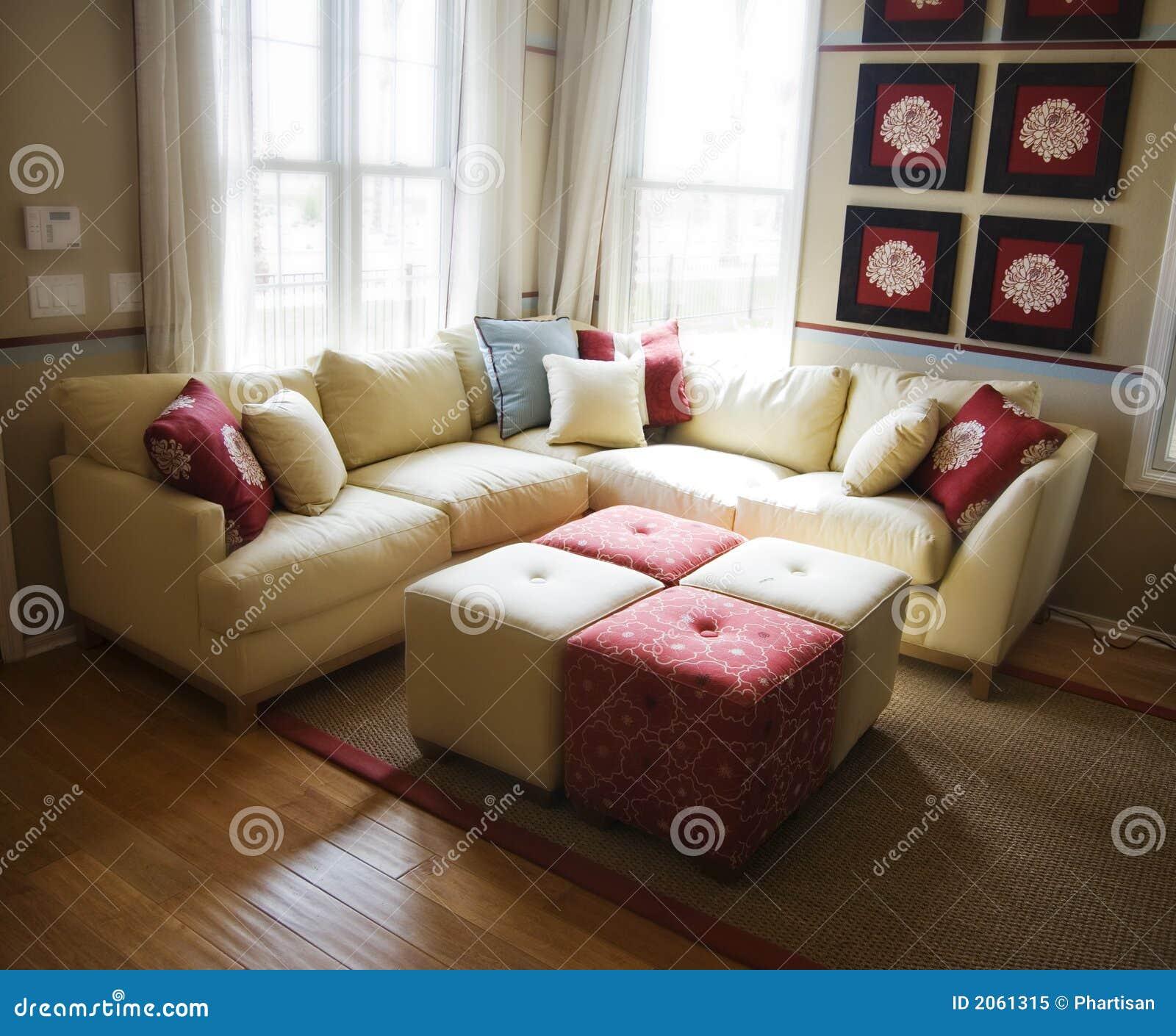 hartholz bodenbelag im wohnzimmer lizenzfreies stockfoto. Black Bedroom Furniture Sets. Home Design Ideas