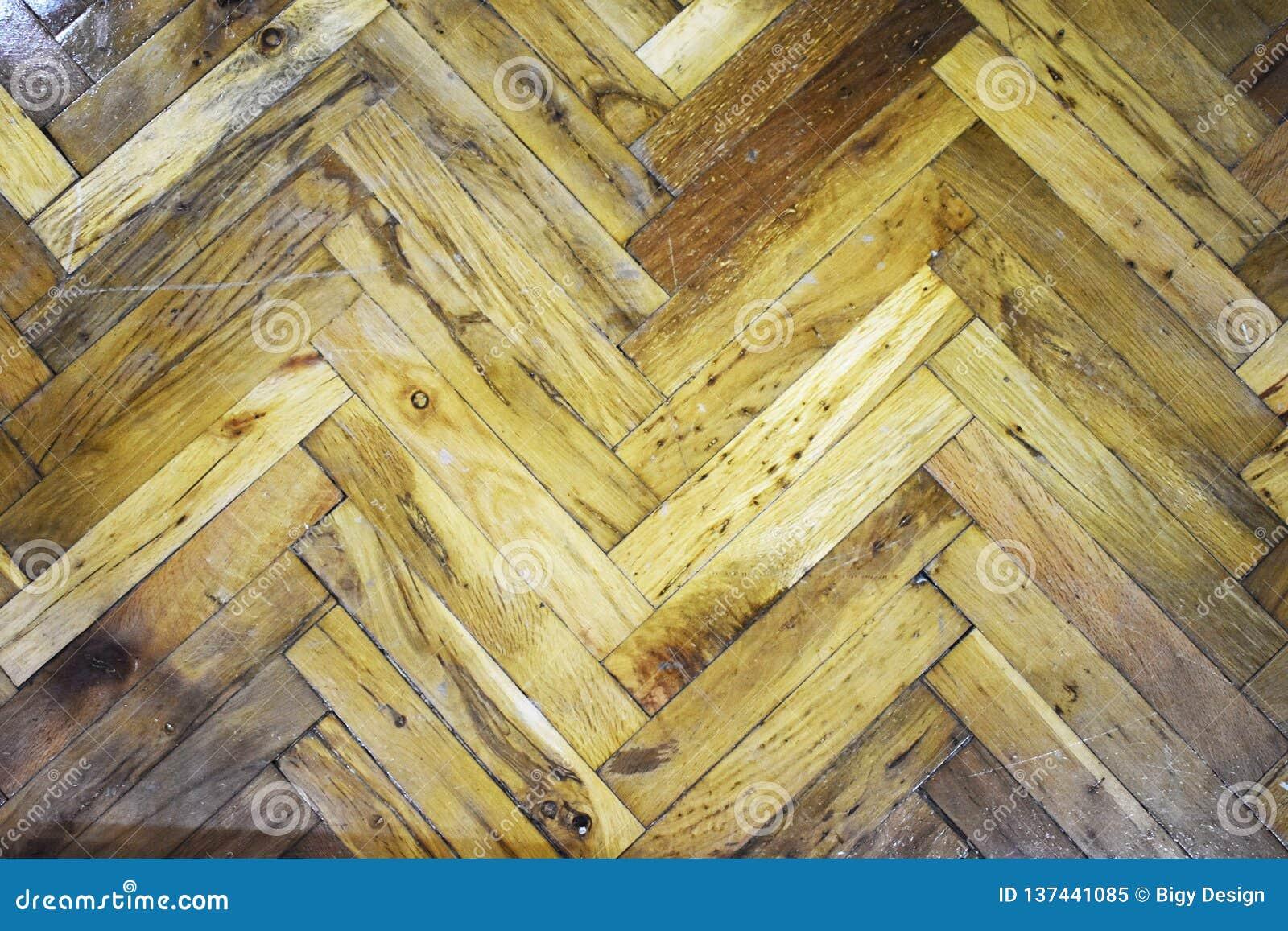 Hartholz mit geometrischem Muster