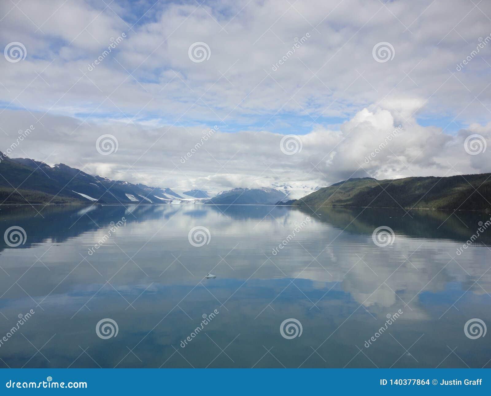 Harvard-Gletscher-College-Fjord Alaska Großer Gletscher, der in den Pazifischen Ozean in Alaska schiebt