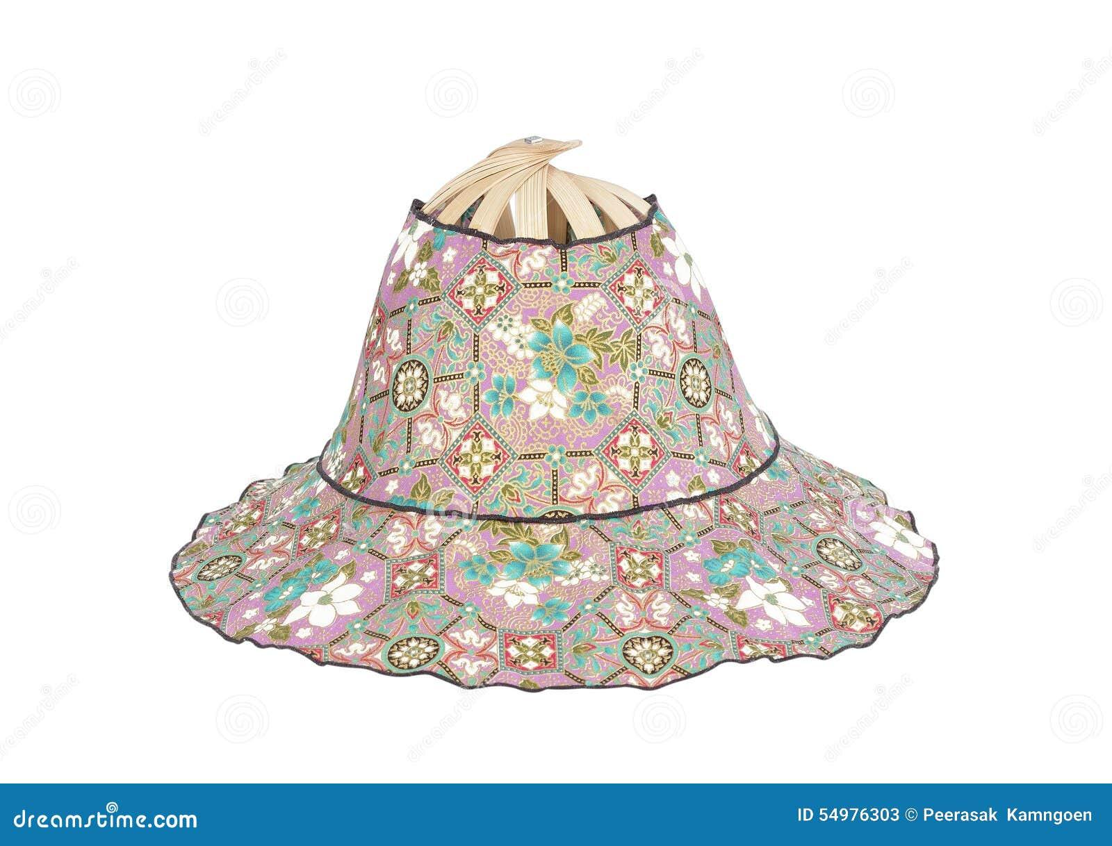 Hatt som göras av isolerade bambu och mönstrade tyger på vit