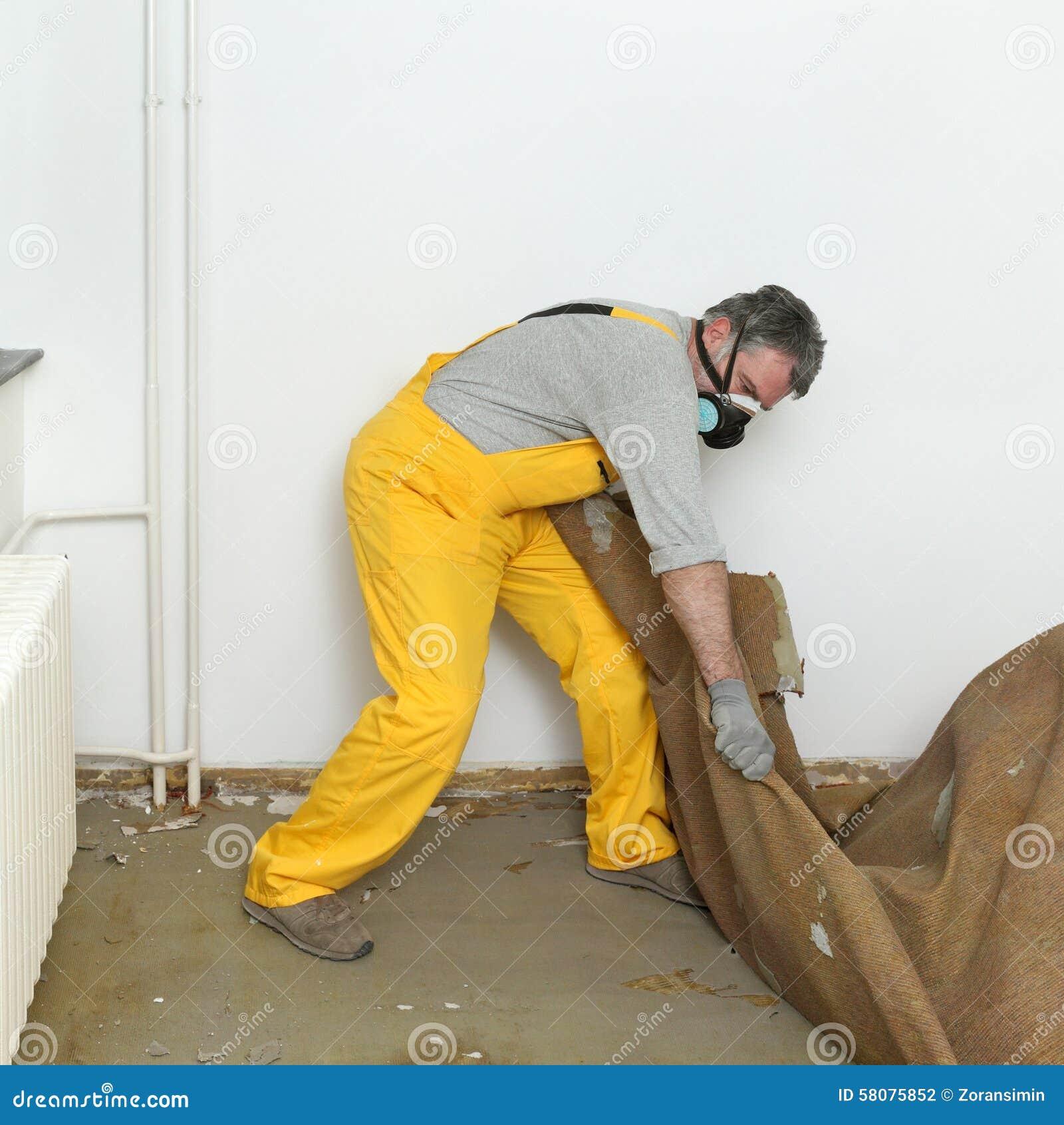 Haupterneuerung Alter Teppich Entfernen Stockfoto Bild Von