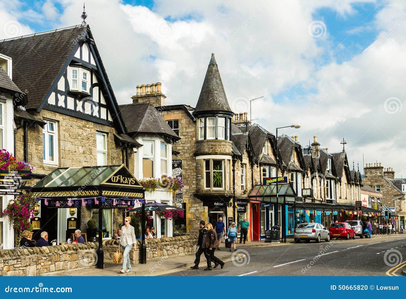 Hauptstraße Pitlochry in Schottland