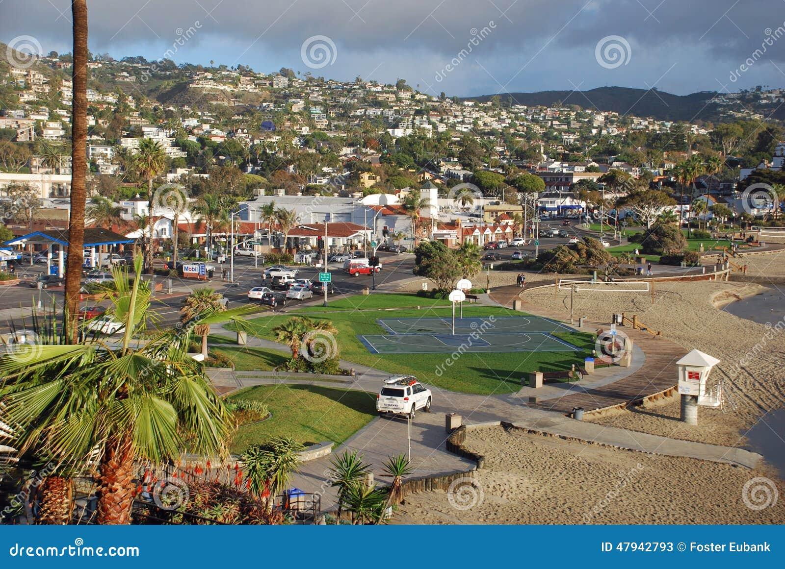 Hauptstrand Und Im Stadtzentrum Gelegenes Laguna Beach ...  Hauptstrand Und...