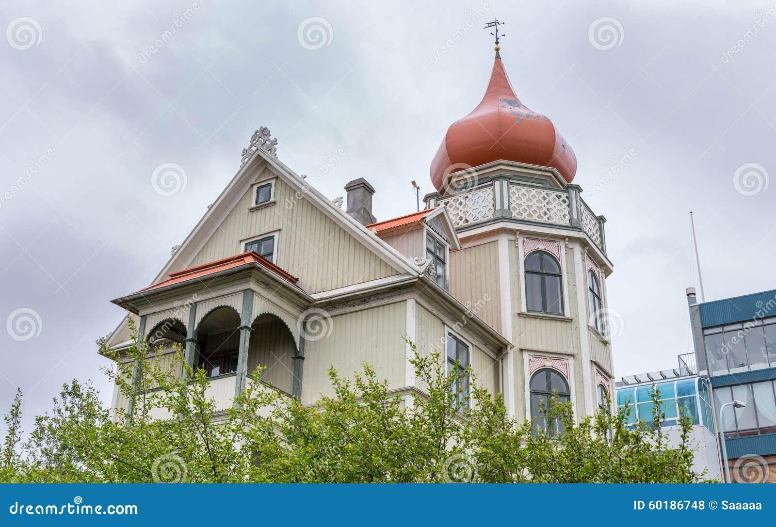 Haus in reykjavik island stockfoto bild von mitte for Haus island