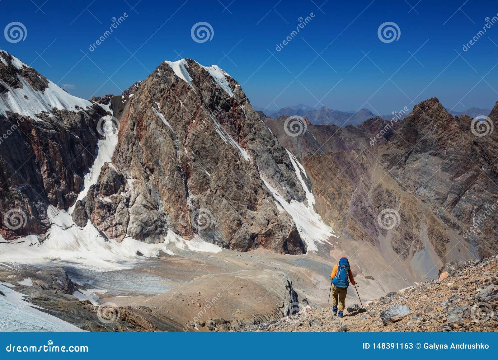 Hausse en montagnes de Fann