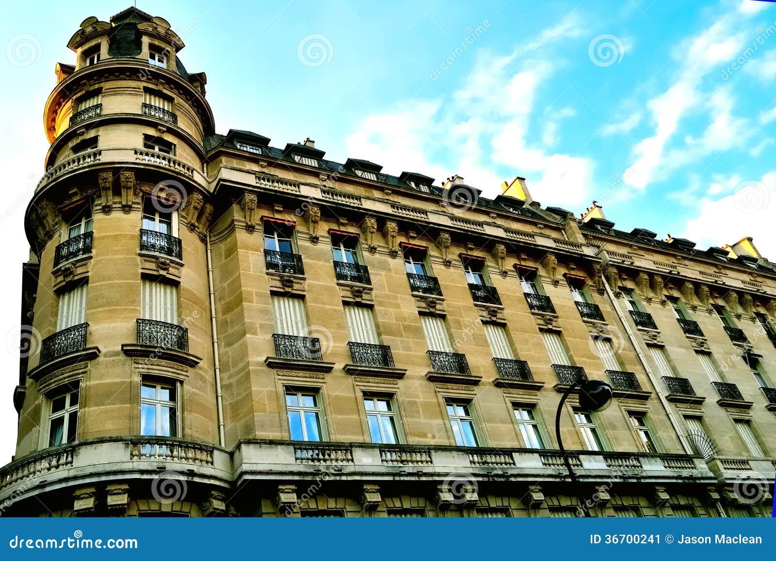 haussman architecture apartment building in paris editorial photo image 36700241. Black Bedroom Furniture Sets. Home Design Ideas