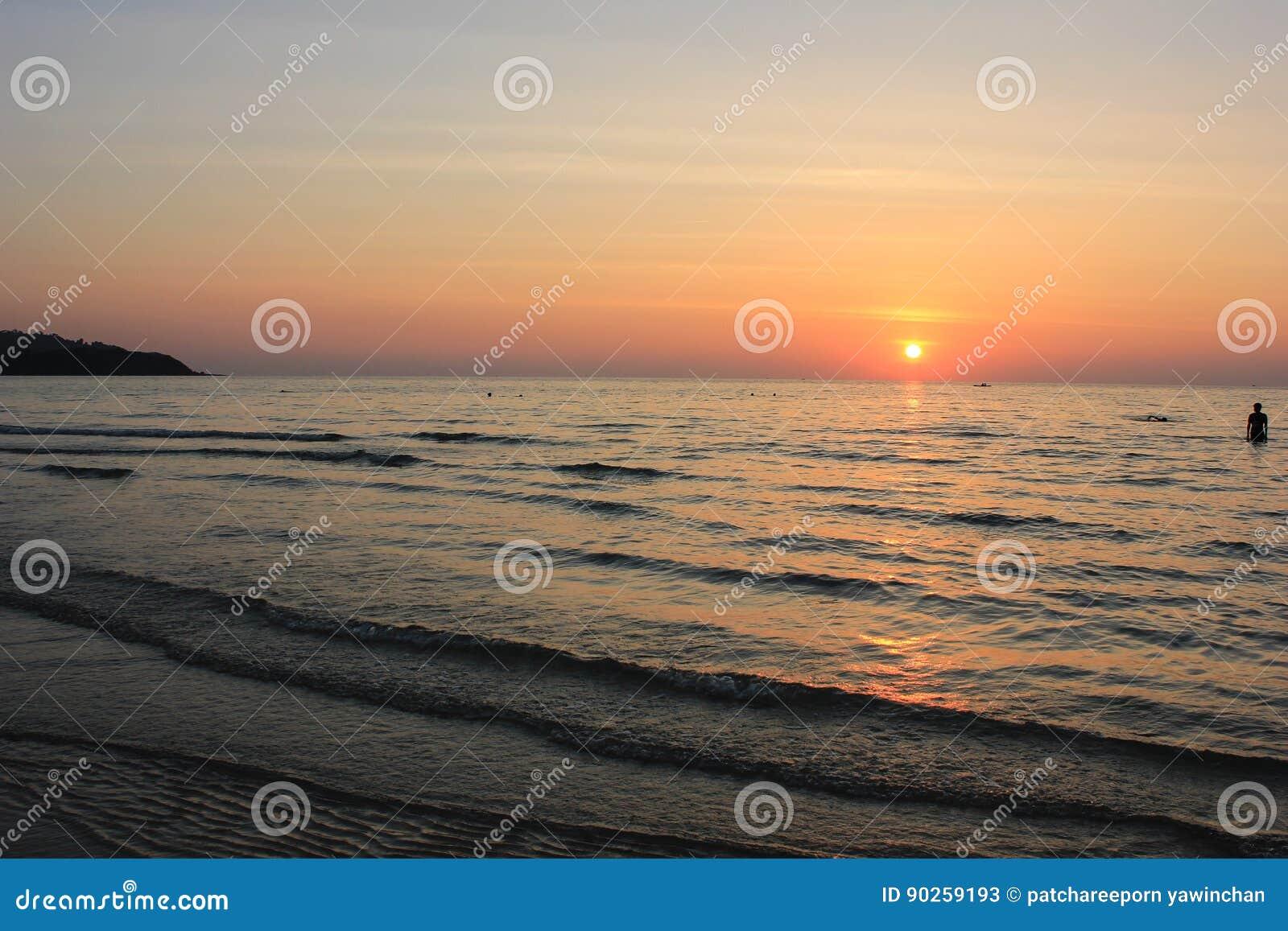 Hav och solnedgång