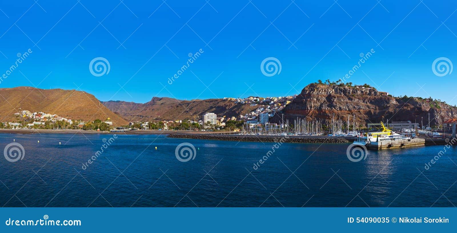 Haven en stad San Sebastian - het Eiland van La Gomera - Kanarie