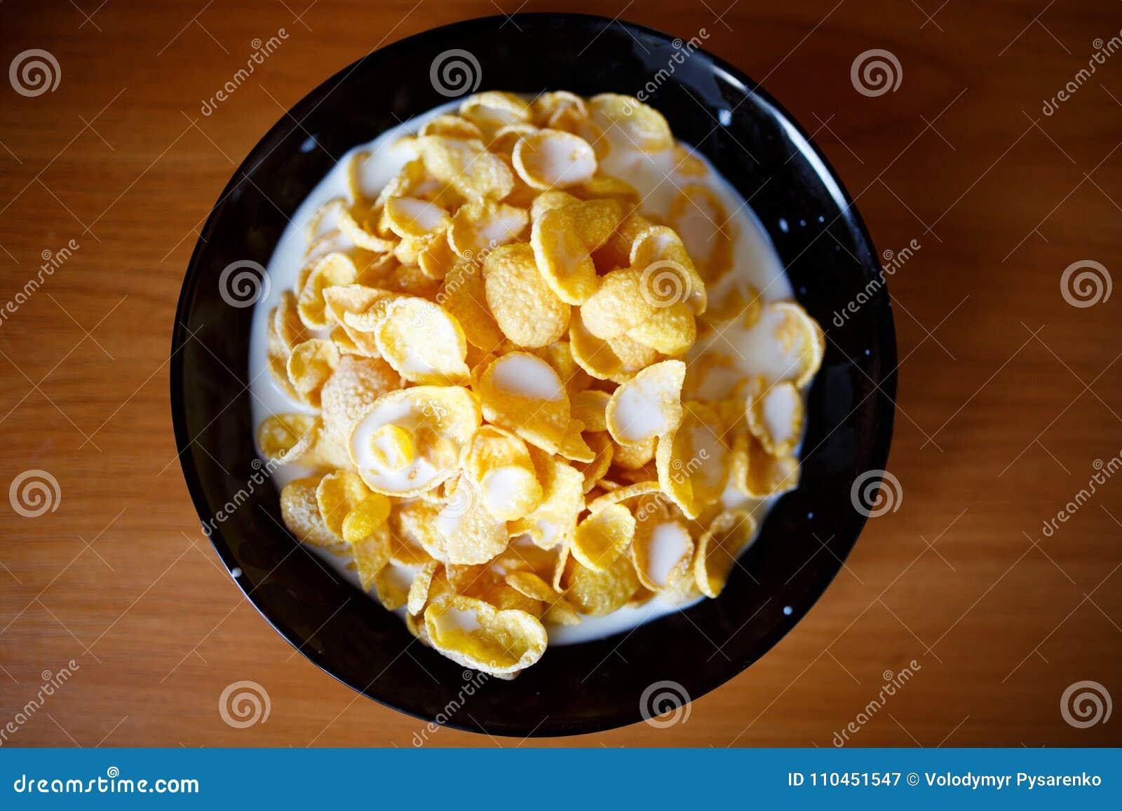 Havreflakes mjölkar Sund mat i morgonen