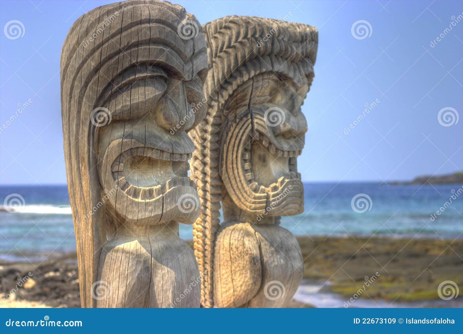 Hawaiian tiki royalty free stock images image 22673109 for Tiki hawaiano