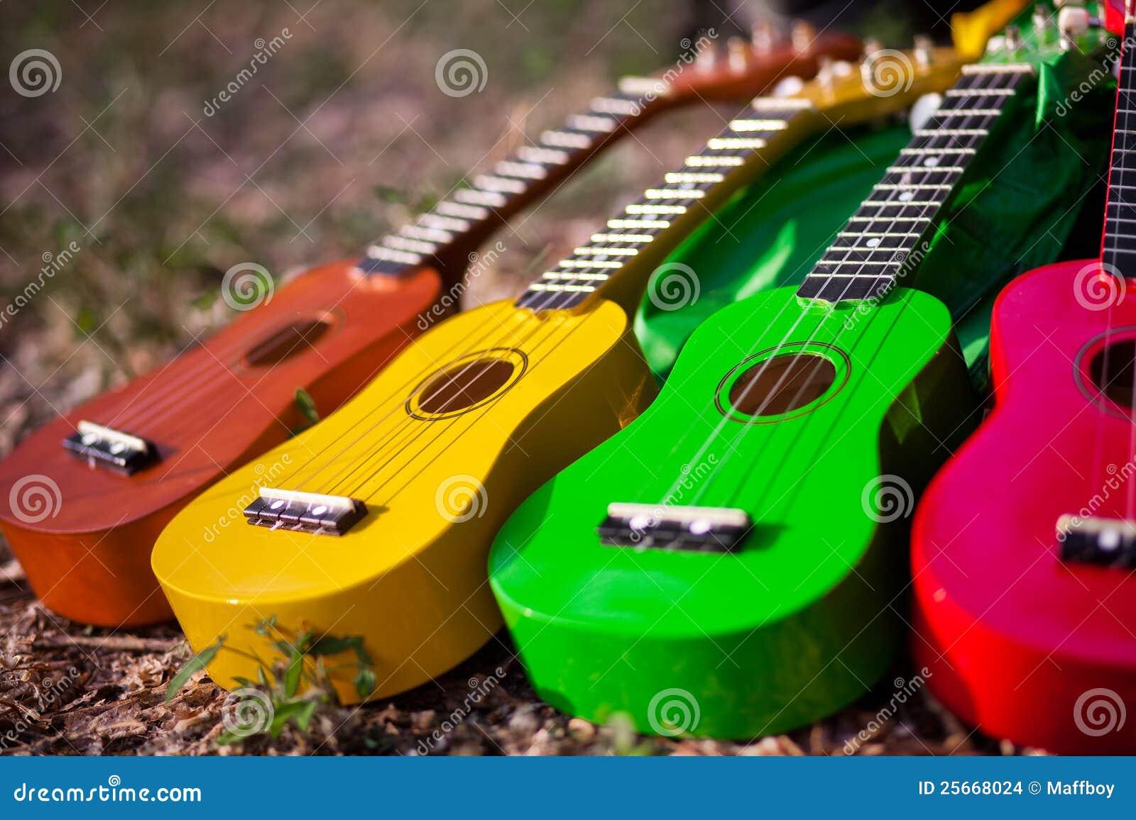 Hawaiischer Instrument Ukulele