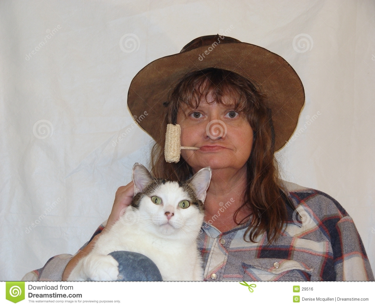 Hayseed and fat cat