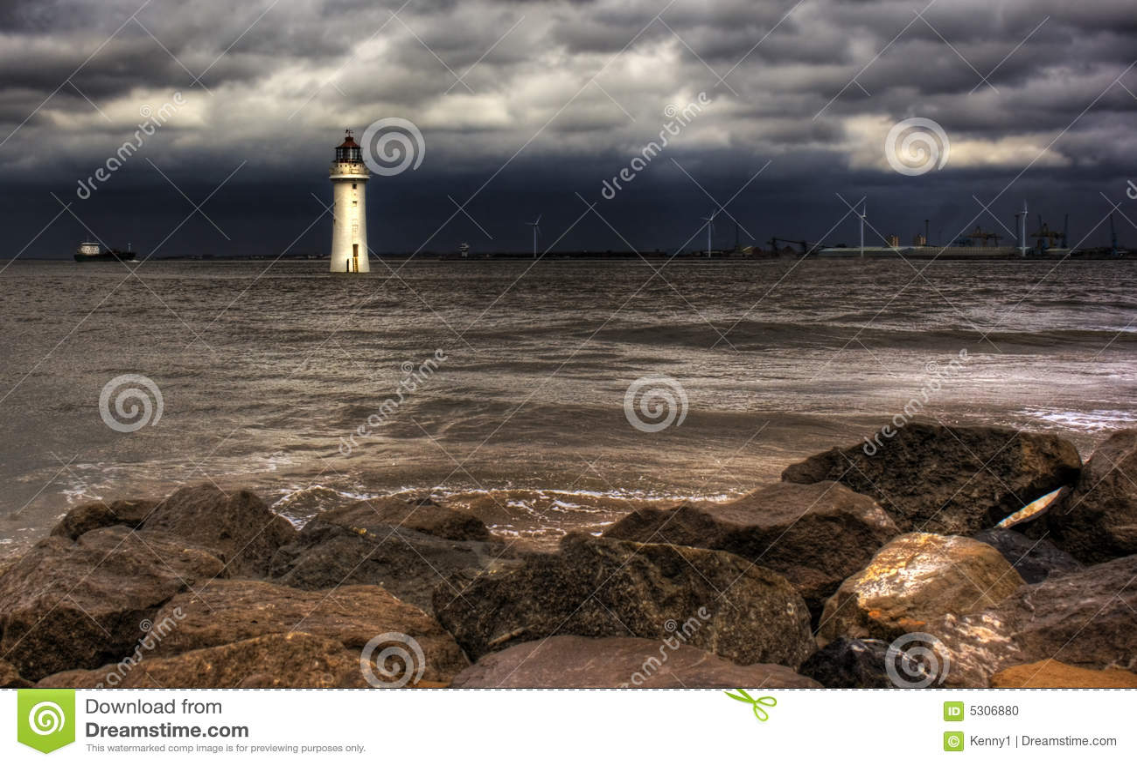 Download Hdr del faro fotografia stock. Immagine di nubi, luminoso - 5306880