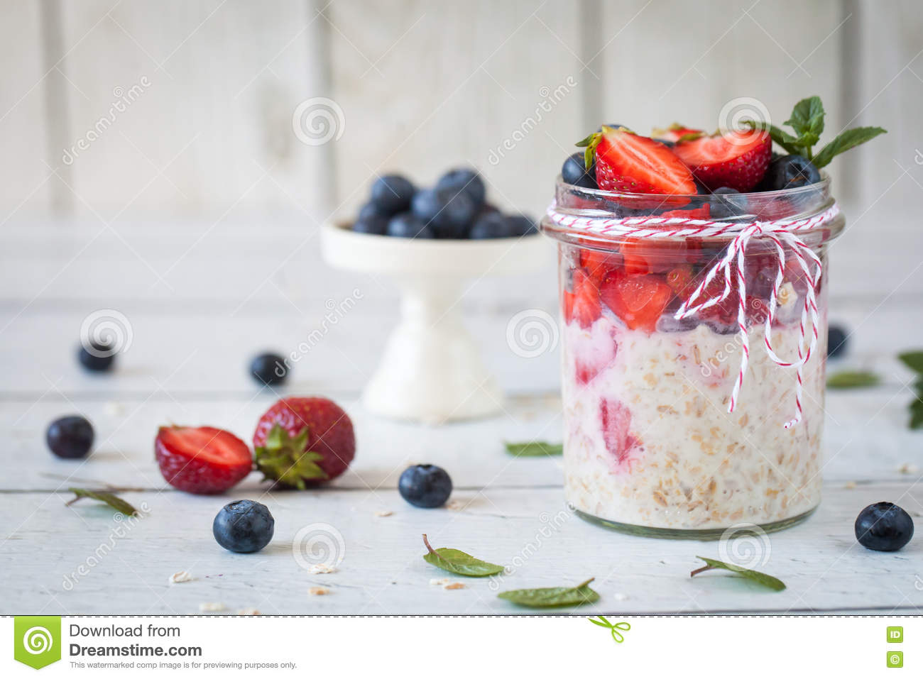 Healthy breakfast: overnight oats with fresh strawberries