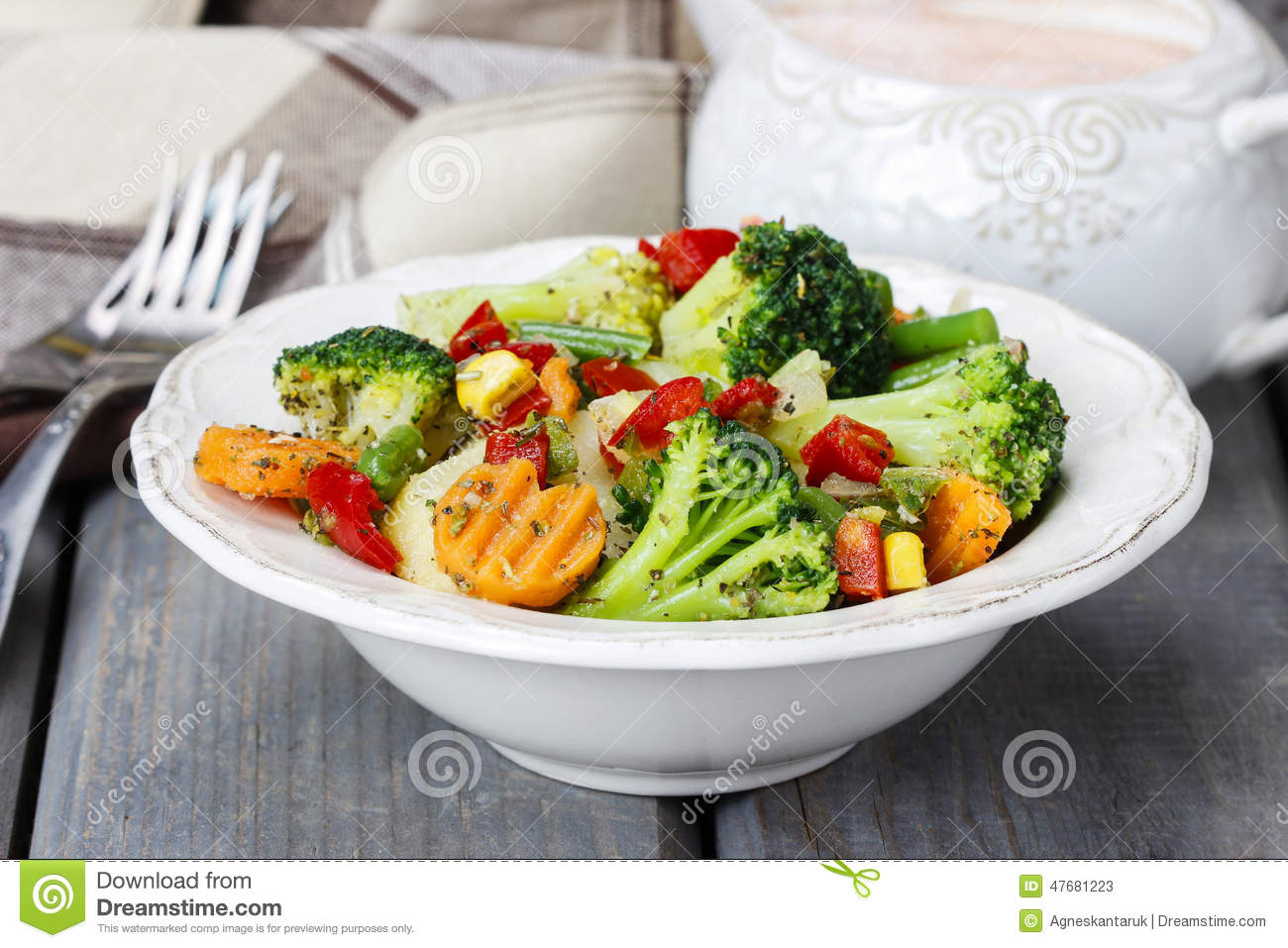 Healthy breakfast vegetable salad stock photo image for Cuisine healthy