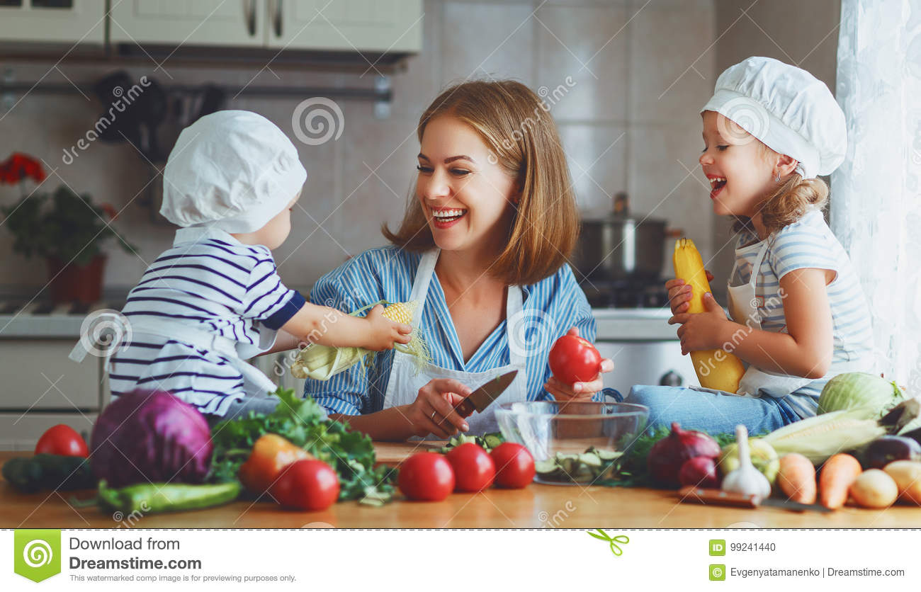 cfc20 healthy eating for families Eating healthy doesn't have to be expensive here are 19 clever money-saving tips for eating healthy on a tight budget  you can feed an entire family of 4 for the same price as buying food for .