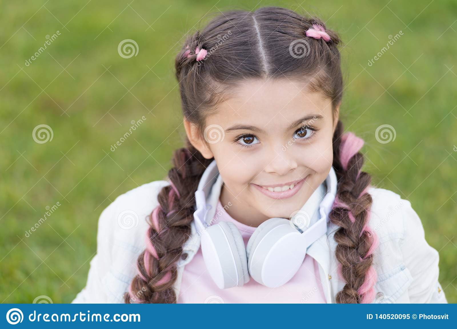 Superb Healthy Emotional Happy Kid Relaxing Outdoors What Makes Child Natural Hairstyles Runnerswayorg