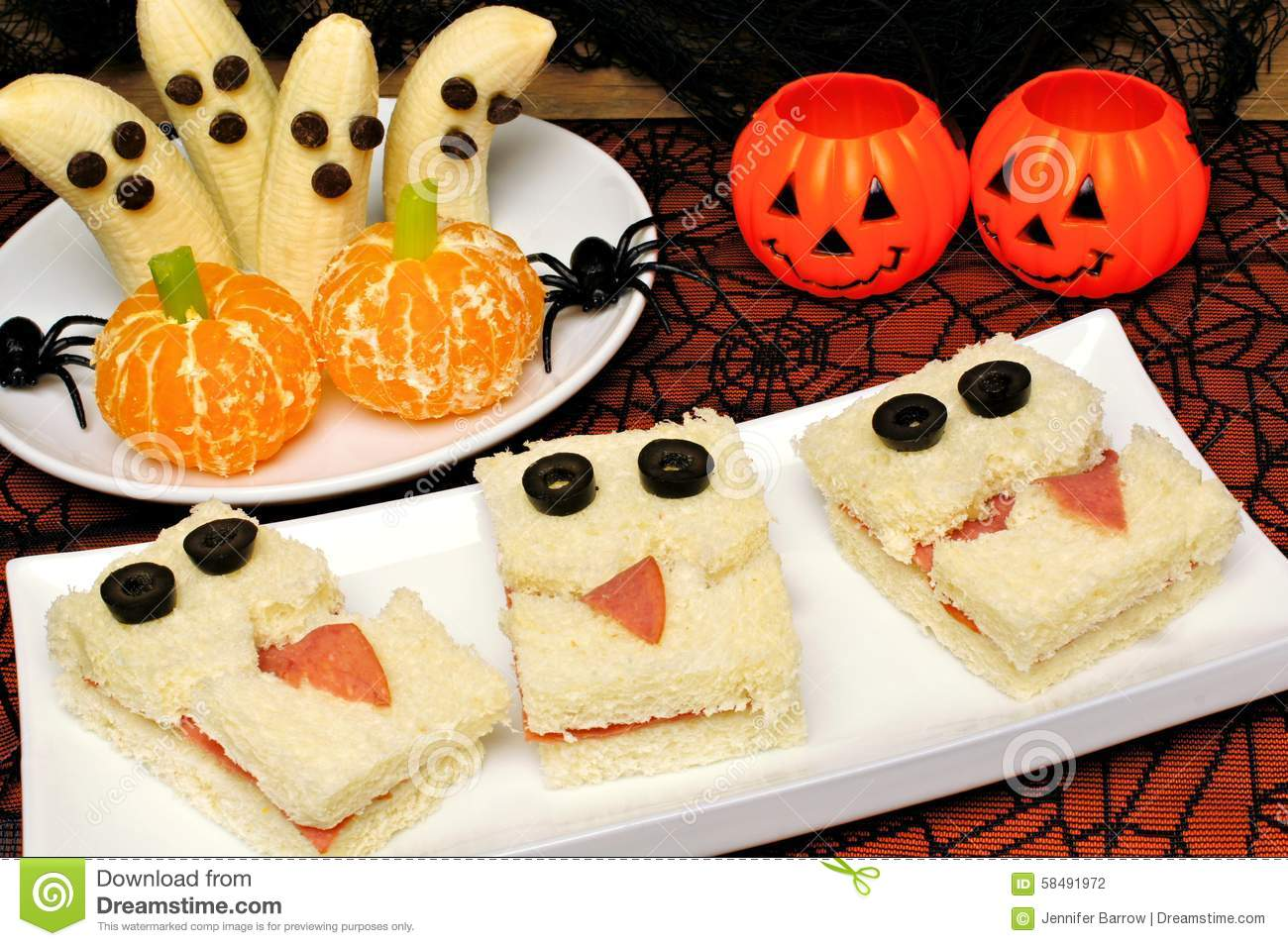 Healthy halloween monster sandwiches banana ghosts and - Decoration halloween facile a faire ...