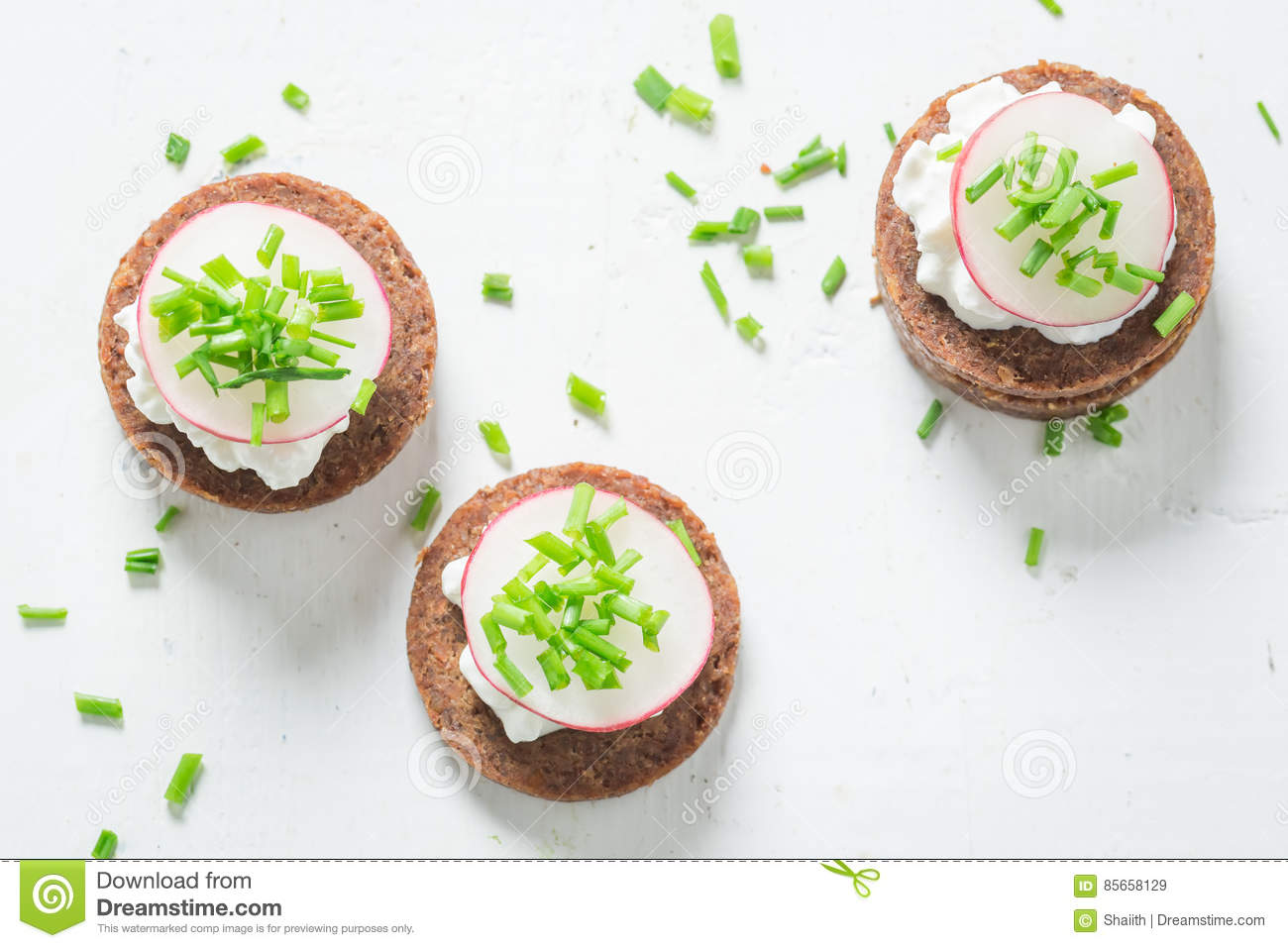 Admirable Healthy Sandwich With Pumpernickel Bread Chive And Cottage Download Free Architecture Designs Scobabritishbridgeorg
