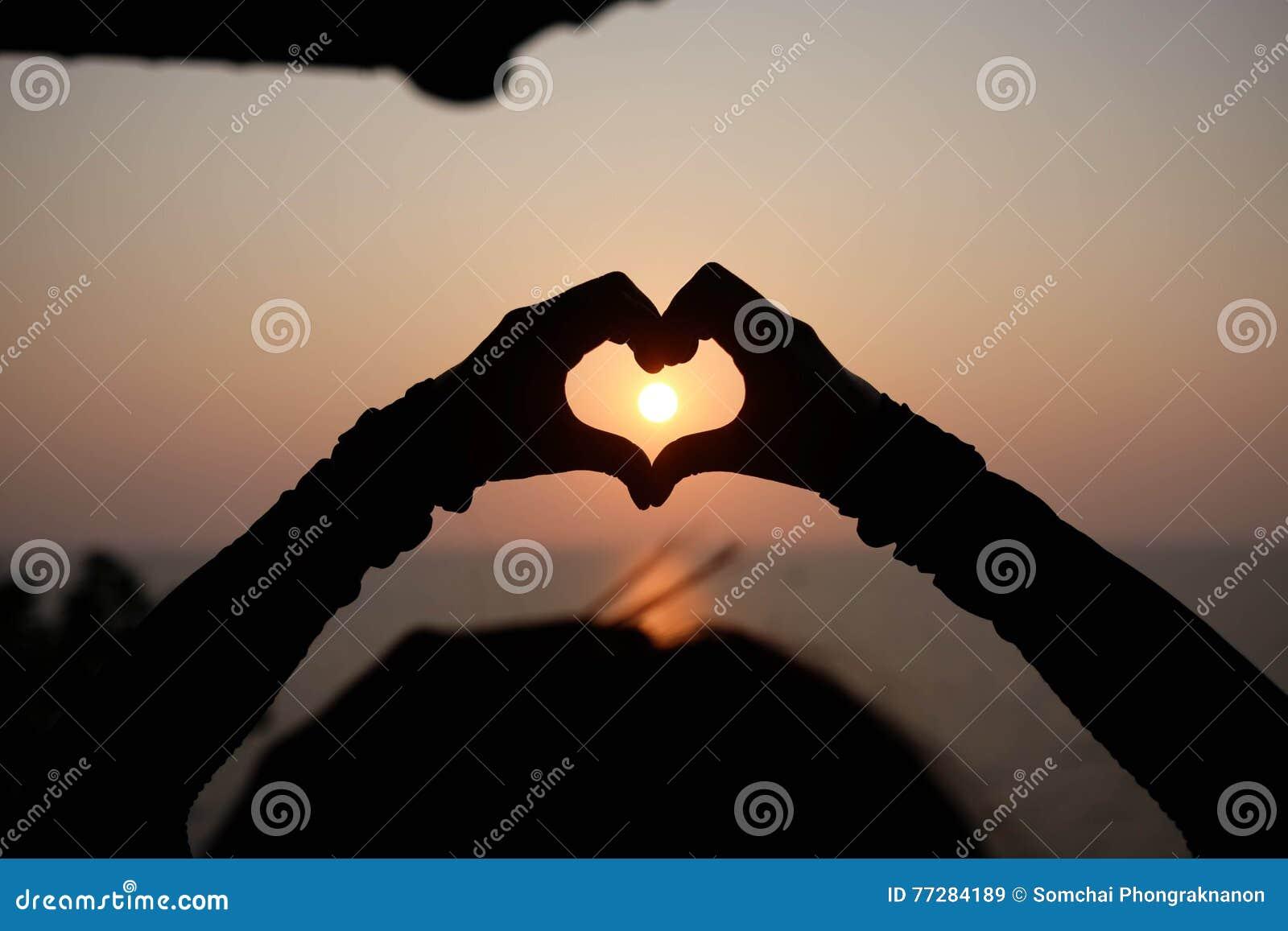 Wallpaper Heart Hand