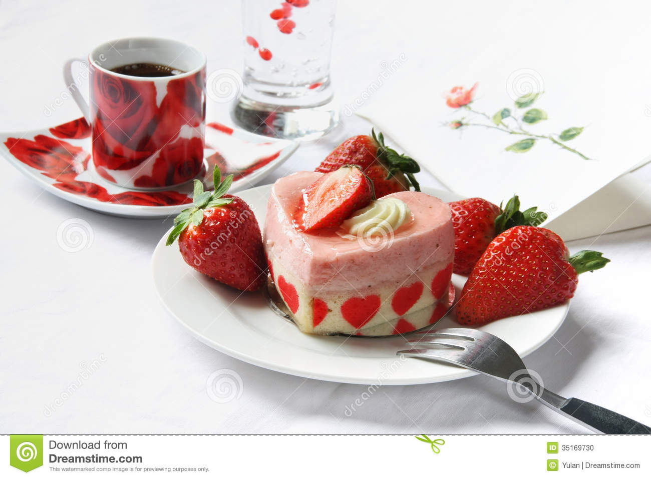 Heart Shaped Cake Stock Photos : Heart Shape Cake With Strawberry Stock Photo - Image: 35169730
