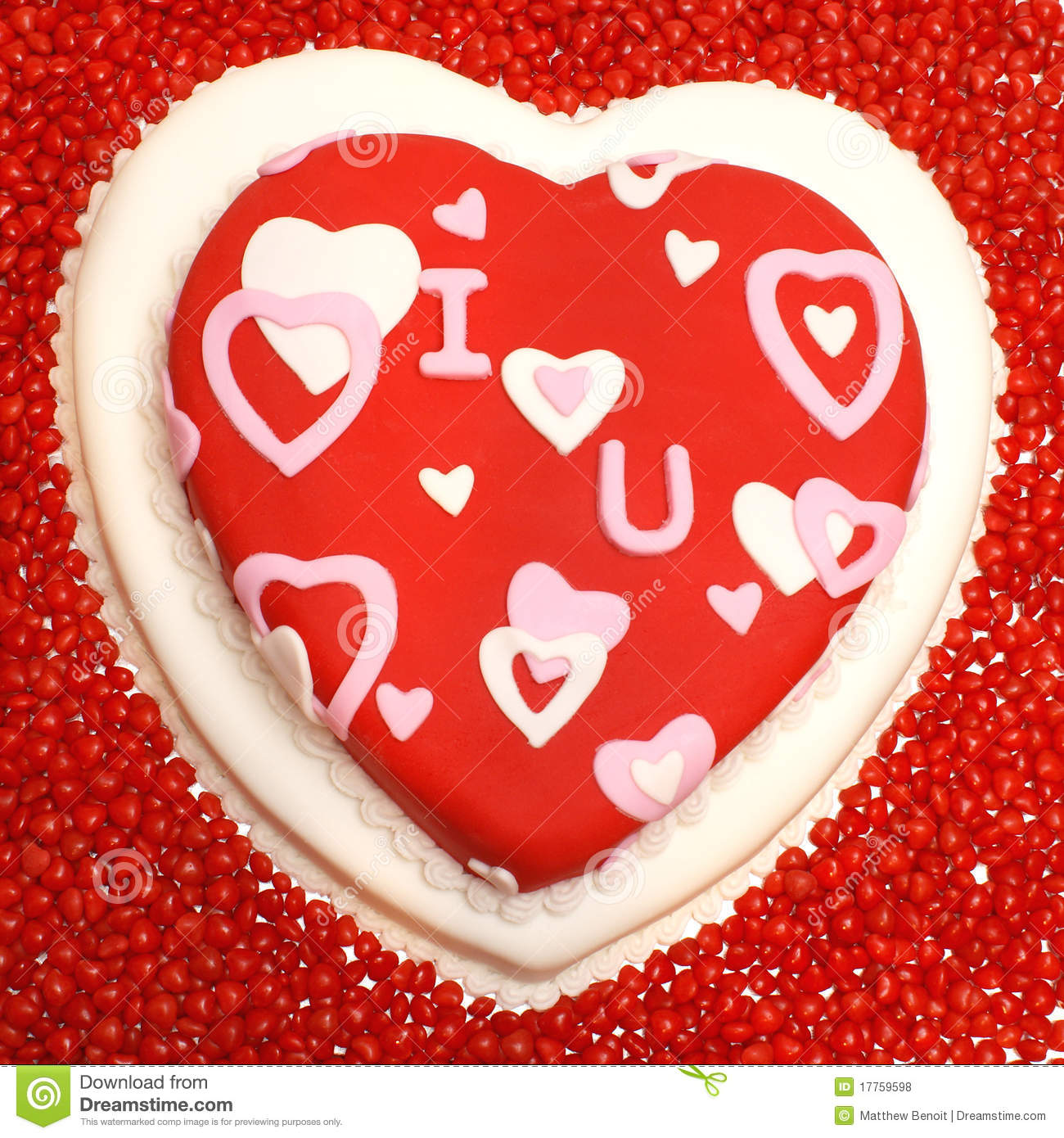 Heart Shaped Cake Stock Photos : Heart Shaped Cake Royalty Free Stock Photos - Image: 17759598