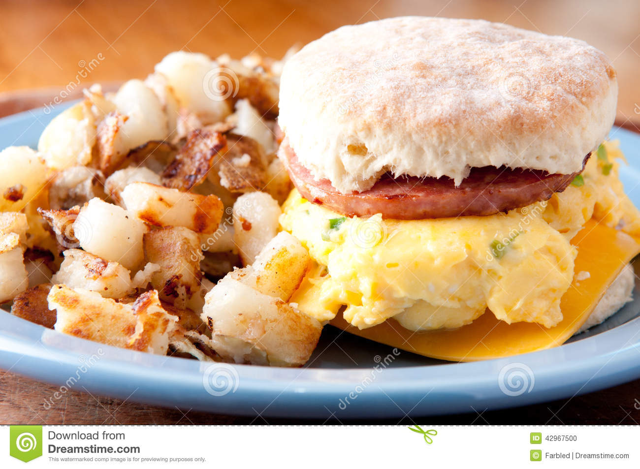 how to make sausage egg and cheese sandwich